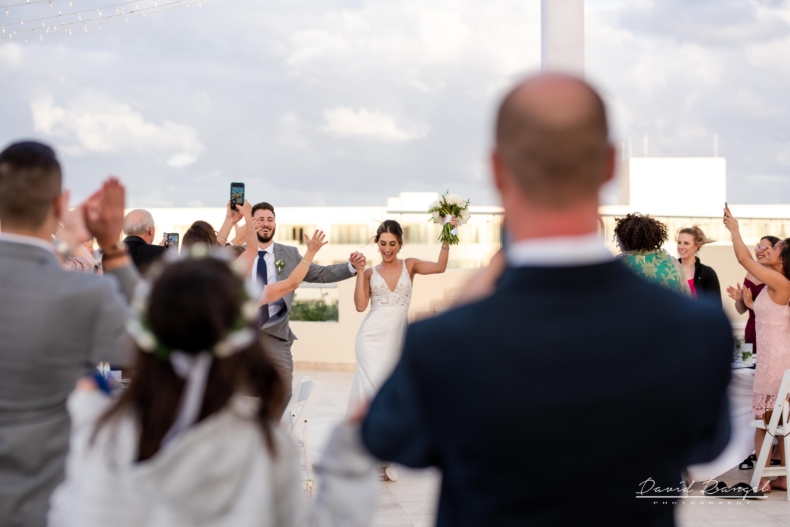 bride+groom+entrance+reception+hyatt+ziva+cancun