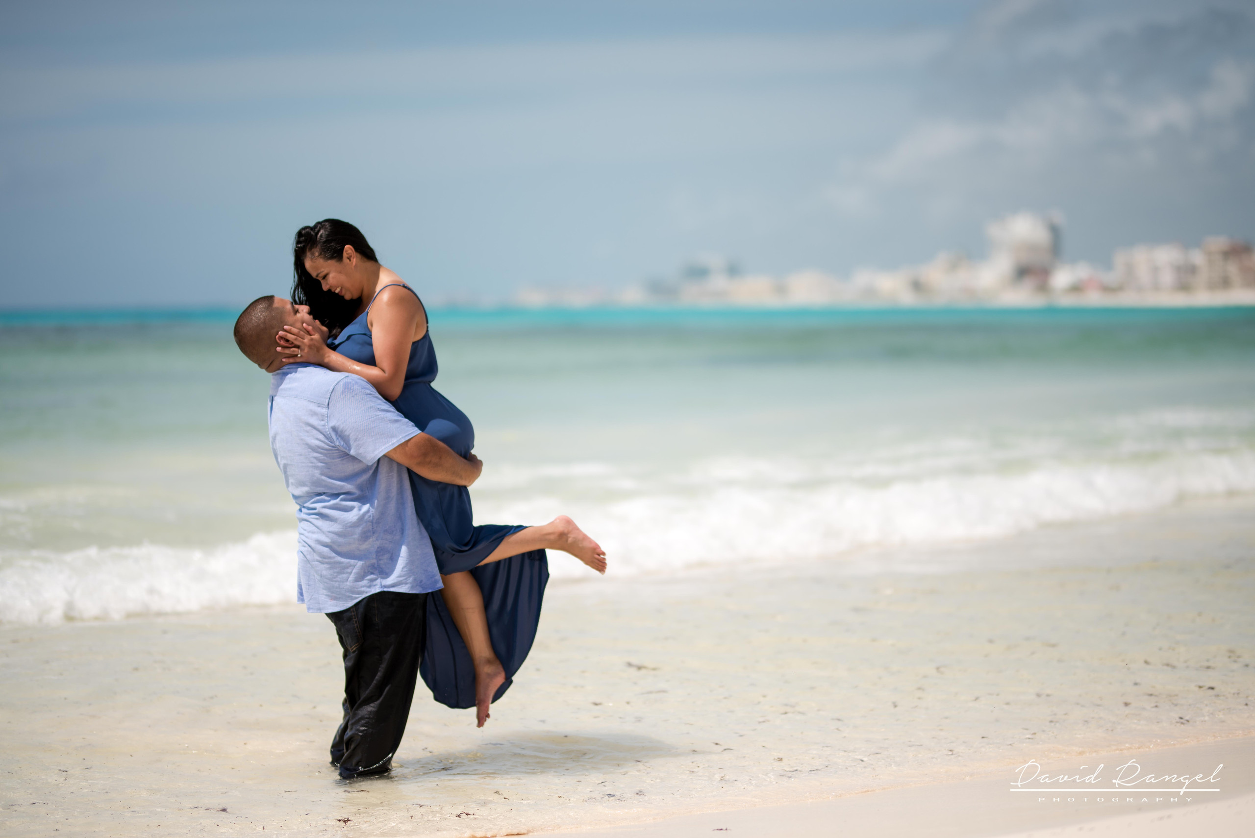 engagement+session+couple+love+photo+pre-wedding+beach+cancun+riviera+maya+hotel+zone+happiness+romantic
