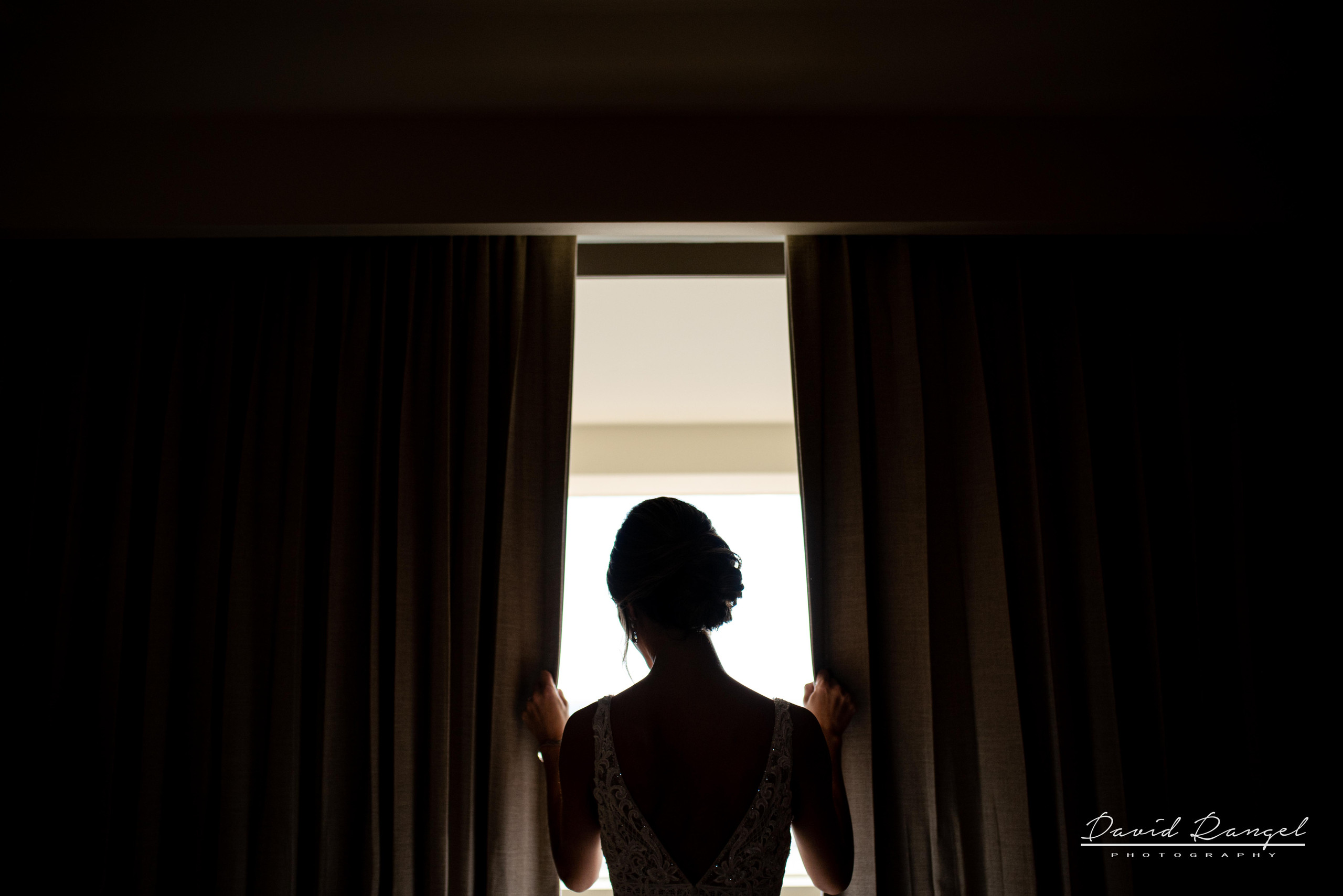 bride+session+window+backlight