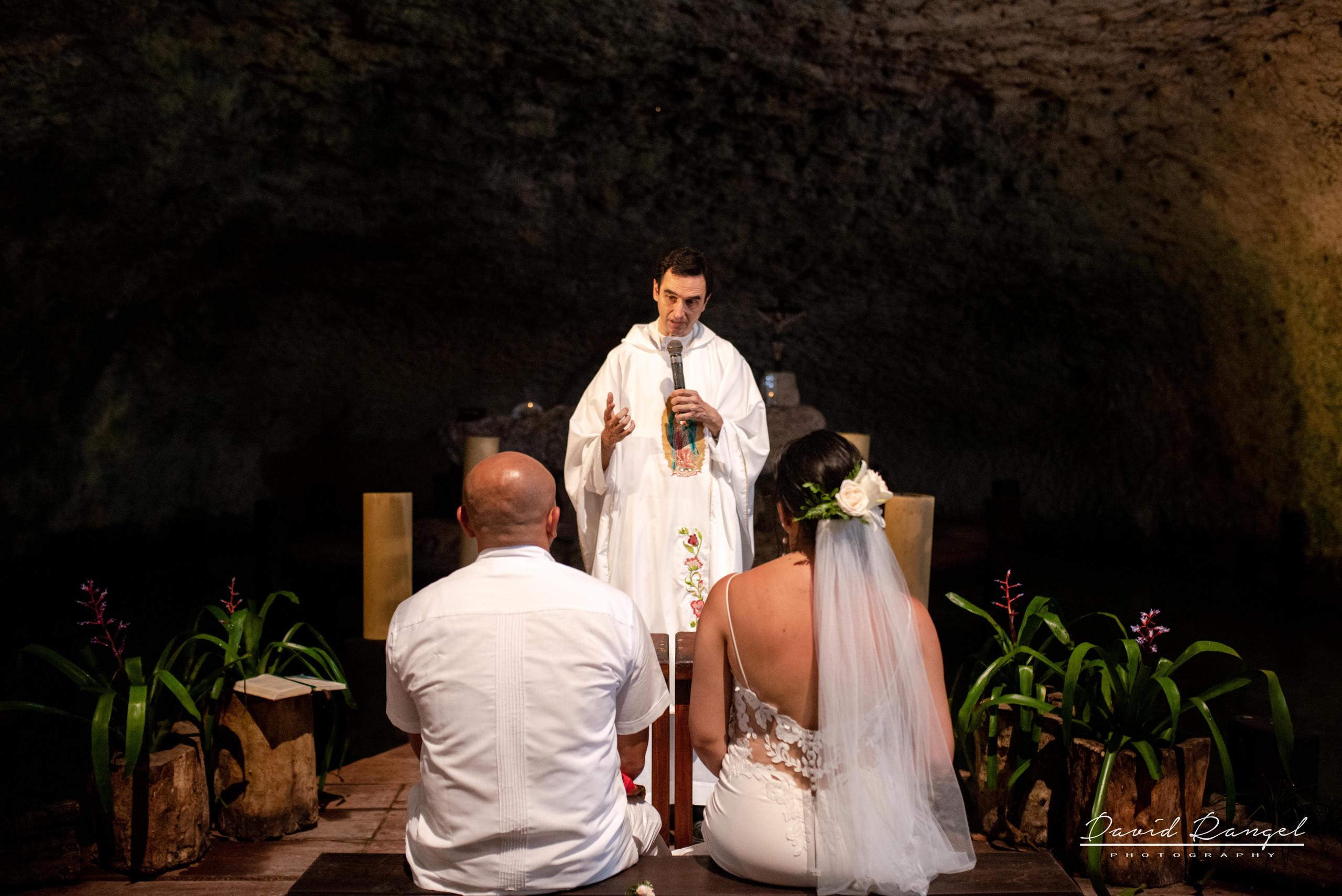 bride+groom+ceremony+minister+padre+misa+vows+cenote+wedding
