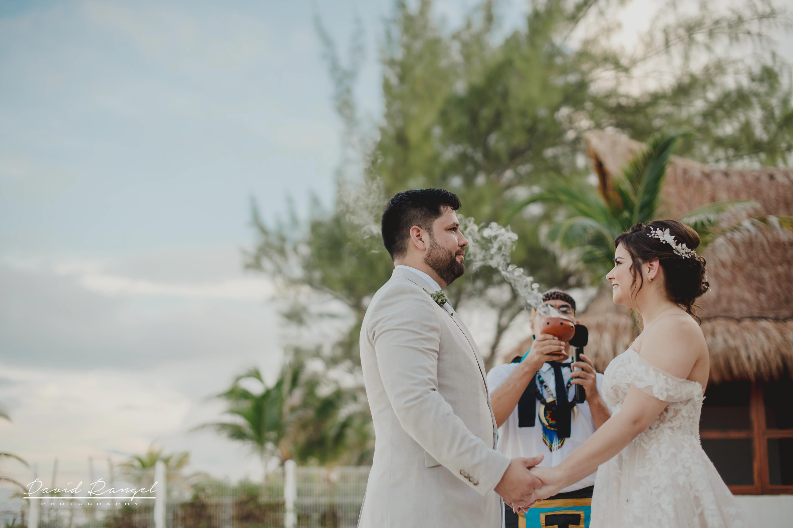 groom+bride+wedding+ceremony+dress+villa+chenera+isla+blanca+costa+mujeres+garden+beach+chaman+traditional+mayan+wedding