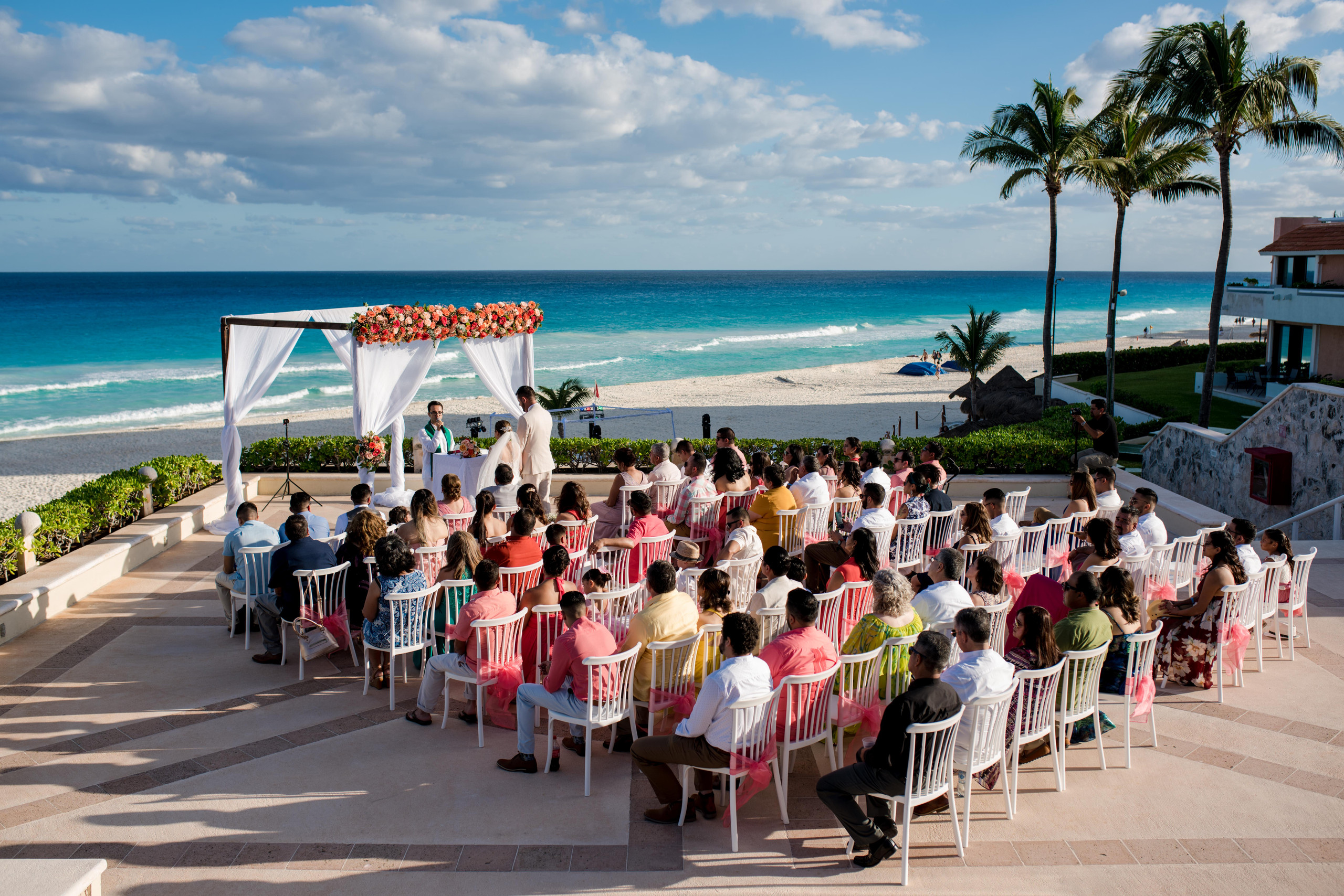 omni+cancun+wedding+bride+groom+beach