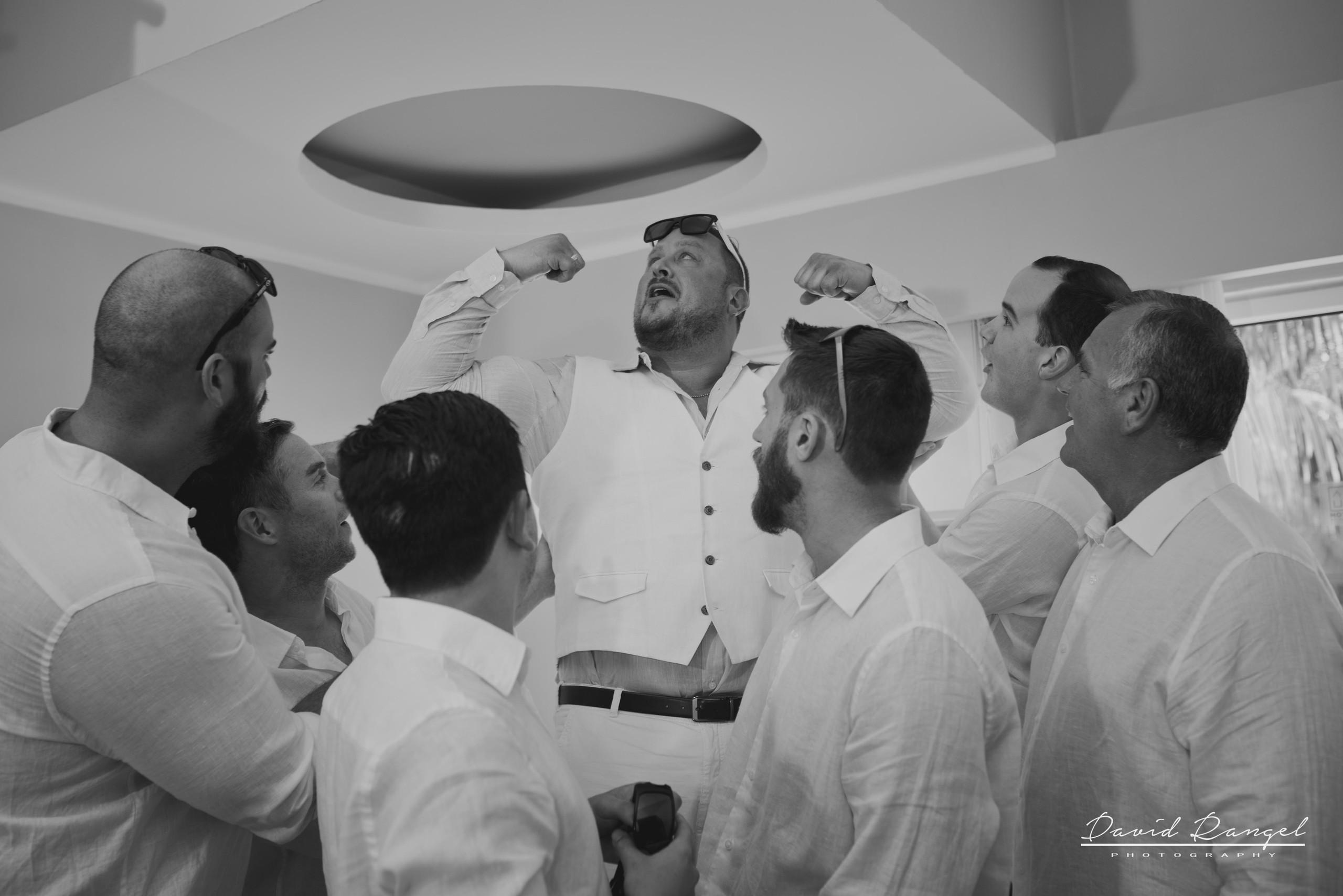 Groom+Power+grooms+mens+photo+room+bnw