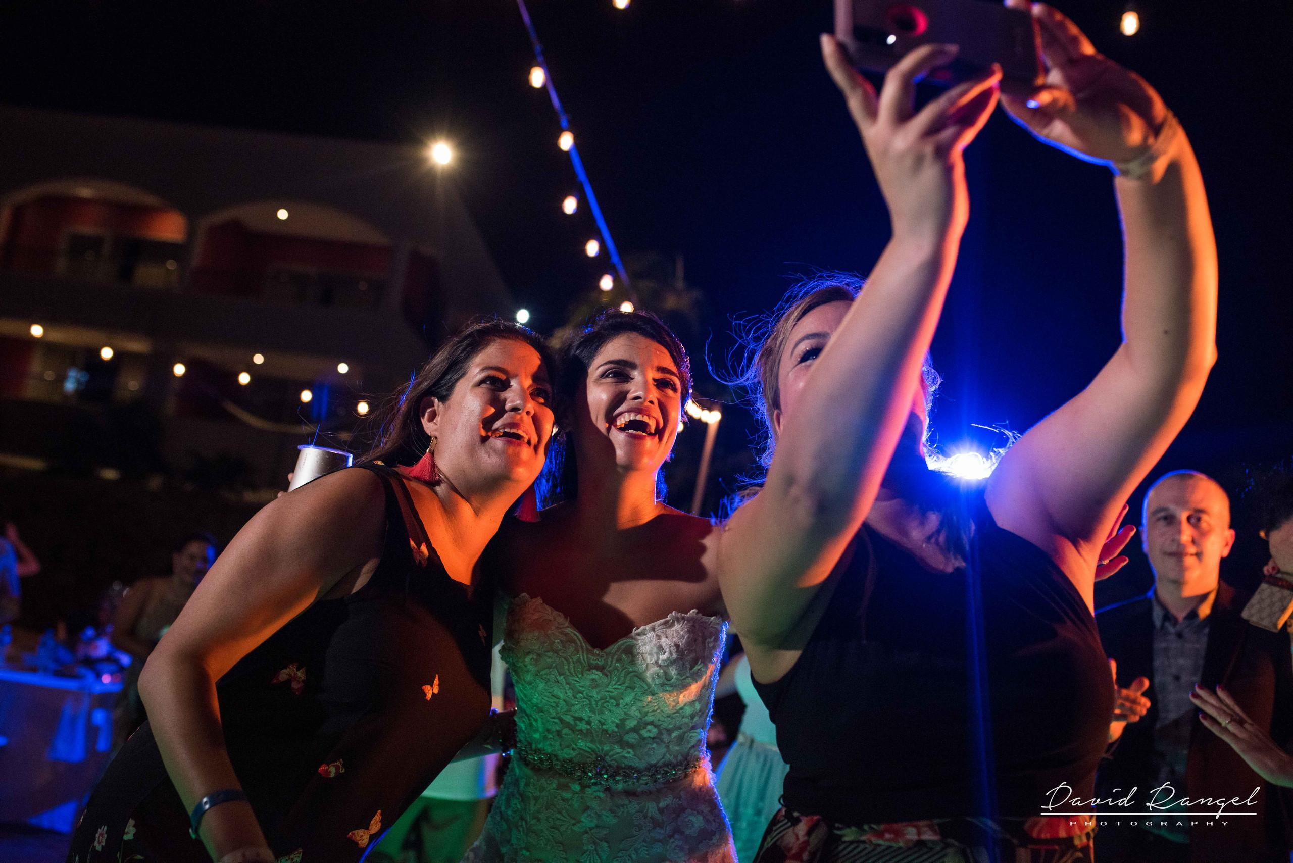 party+dance+wedding+reception+photo+bride+friends