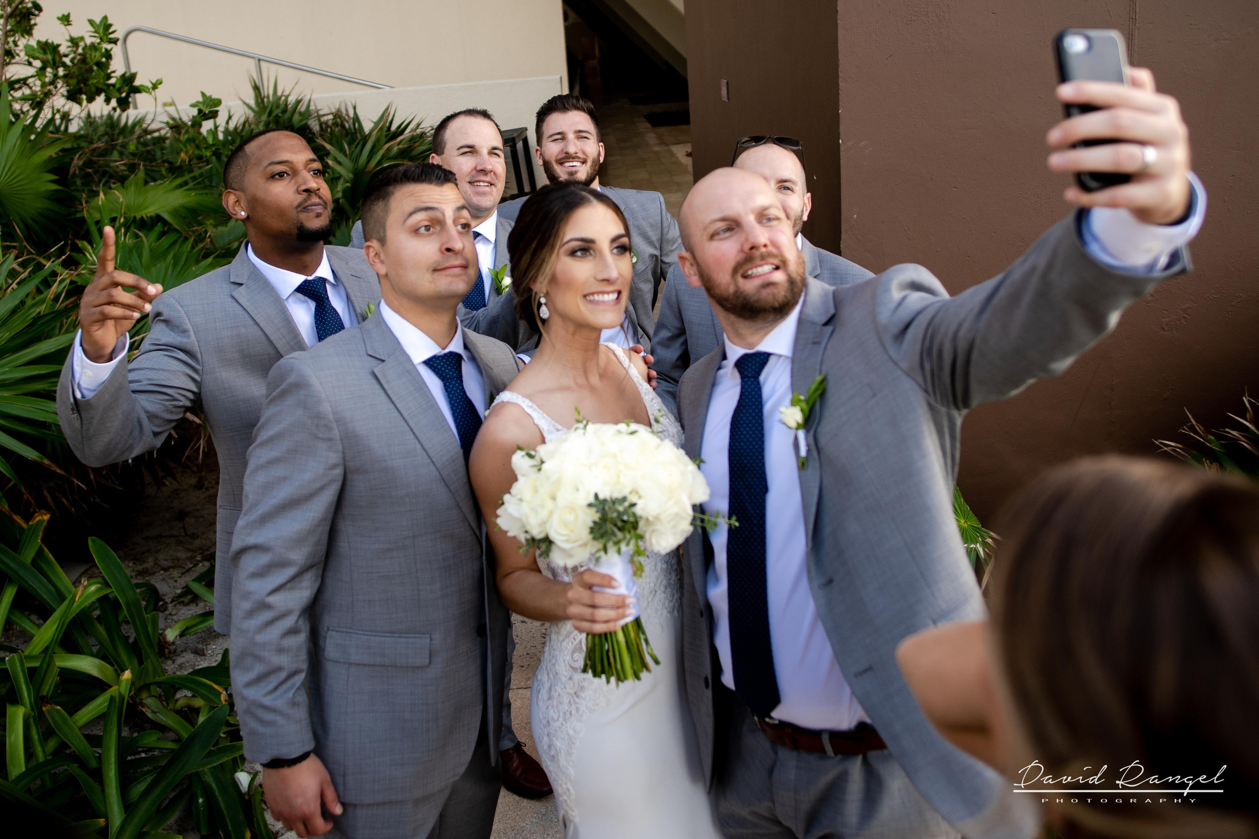 +bride+groom+wedding+selfi+photo+groomsmen