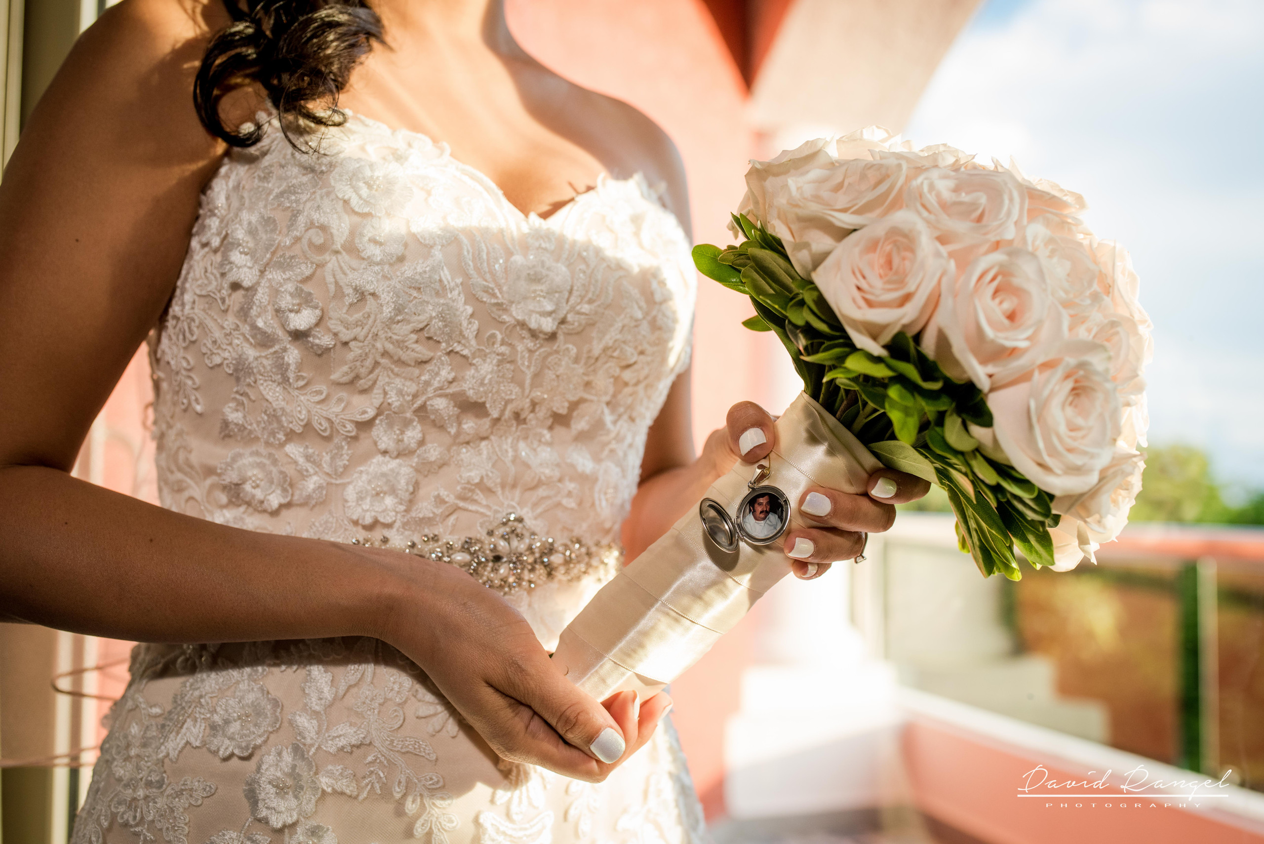 father+bride+bouquet+detail+photo