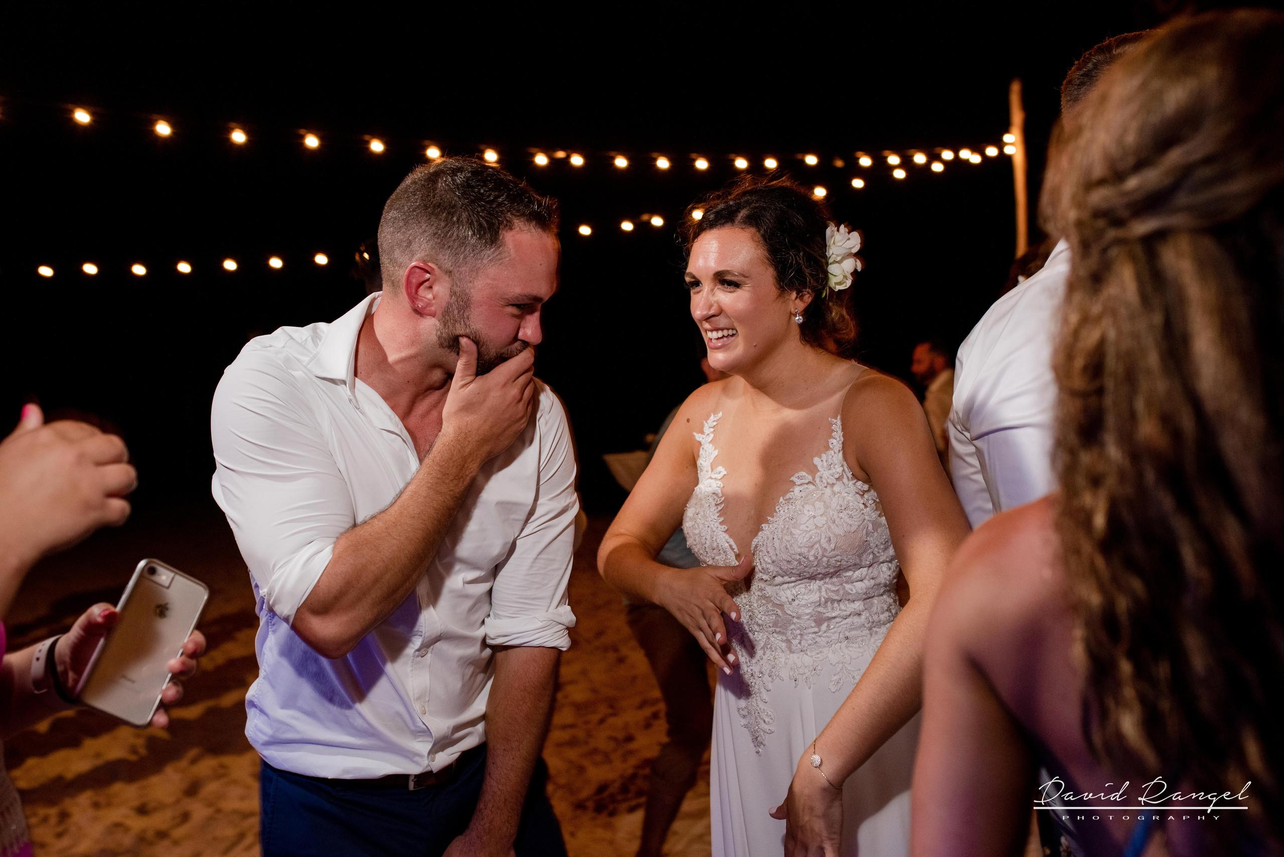 wedding+dance+party+guest+happy+reception+bride+groom