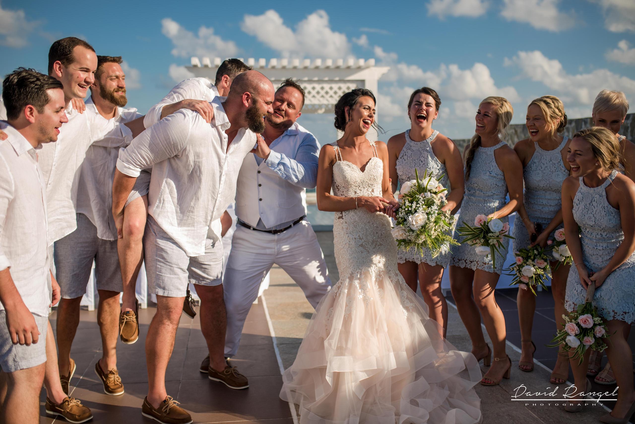 sky+deck+wedding+bridalparty+photo+bride+groom+gazebo+bridesmaids+groomsmen+bouquet+funny+happy
