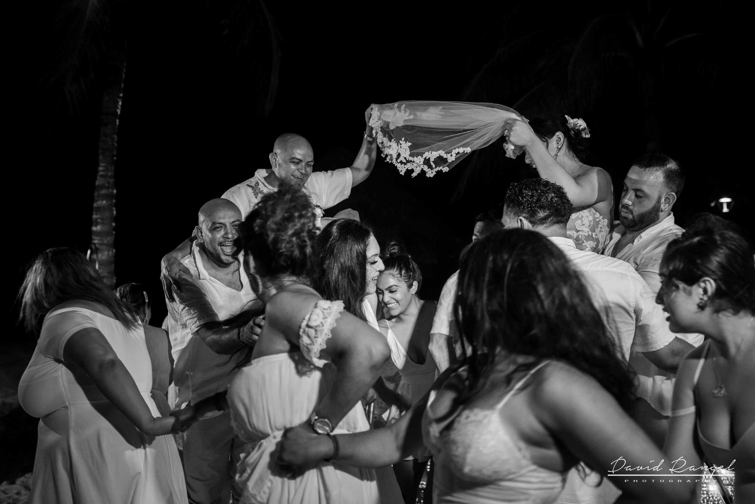 mexican+traditions+vivora+de+la+mar+bride+groom