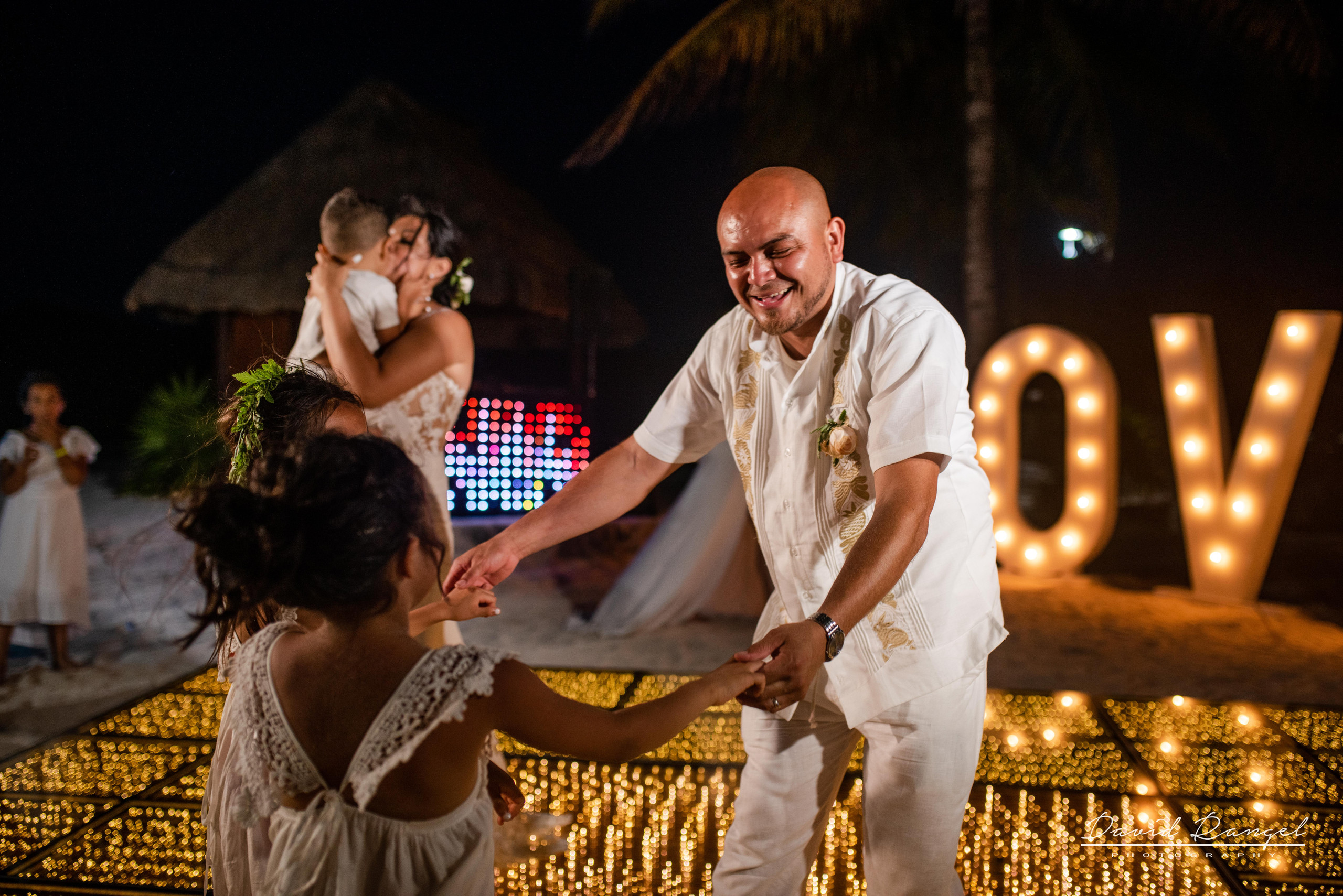 first+dance+occidental+xcaret+venue+dance+floor+bride+groom+love+letters+kids+son+daugthers