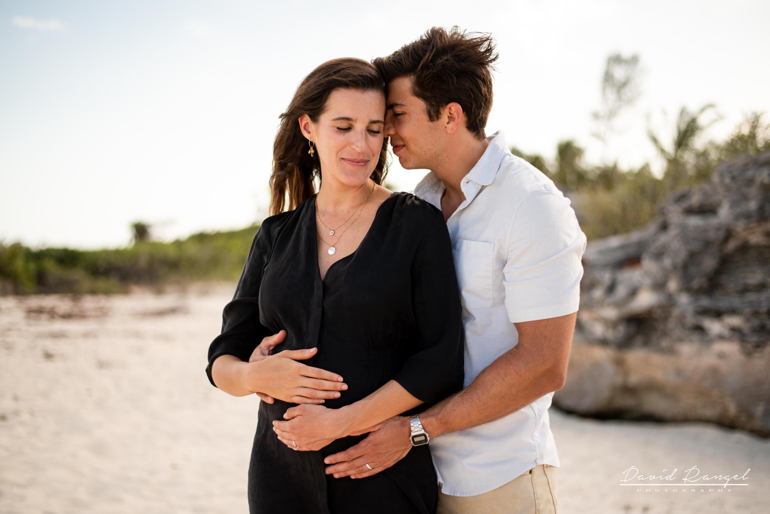 beach+session+riviera+maya+pregnancy+rocks+couple+future+mother+mom+father+love