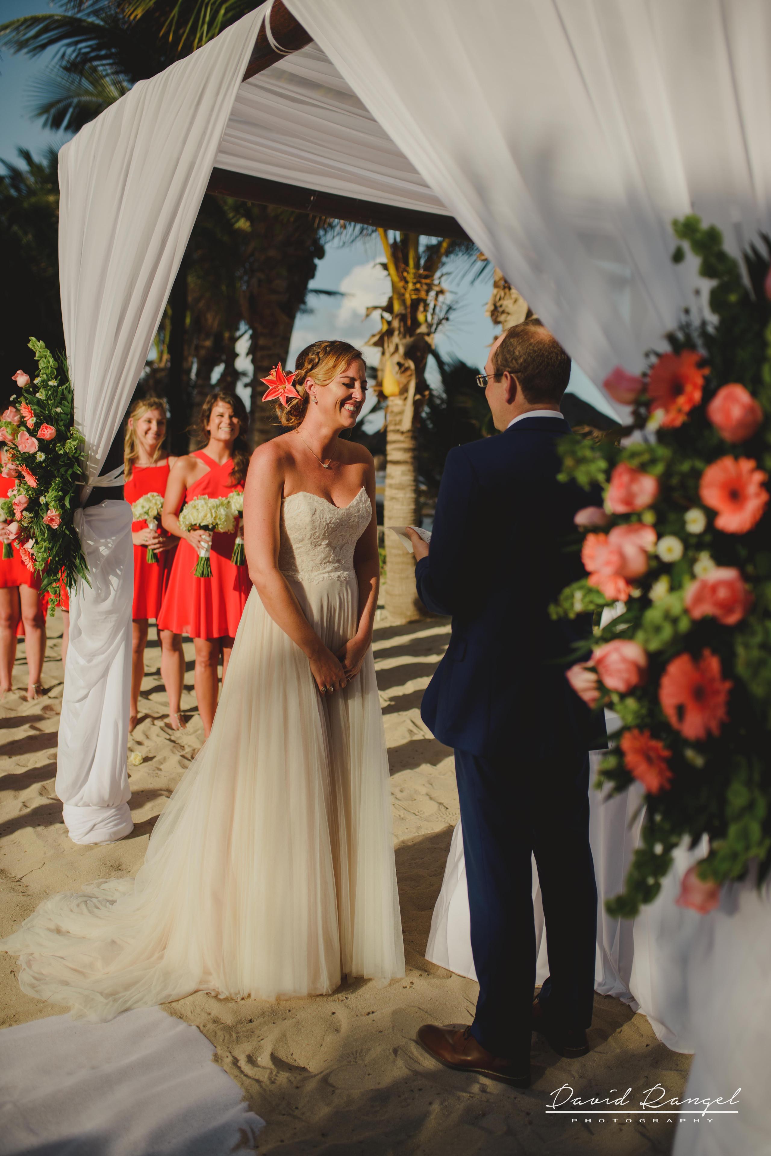 wedding+gazebo+beach+ceremony+photo+groom+bride+happy+smile