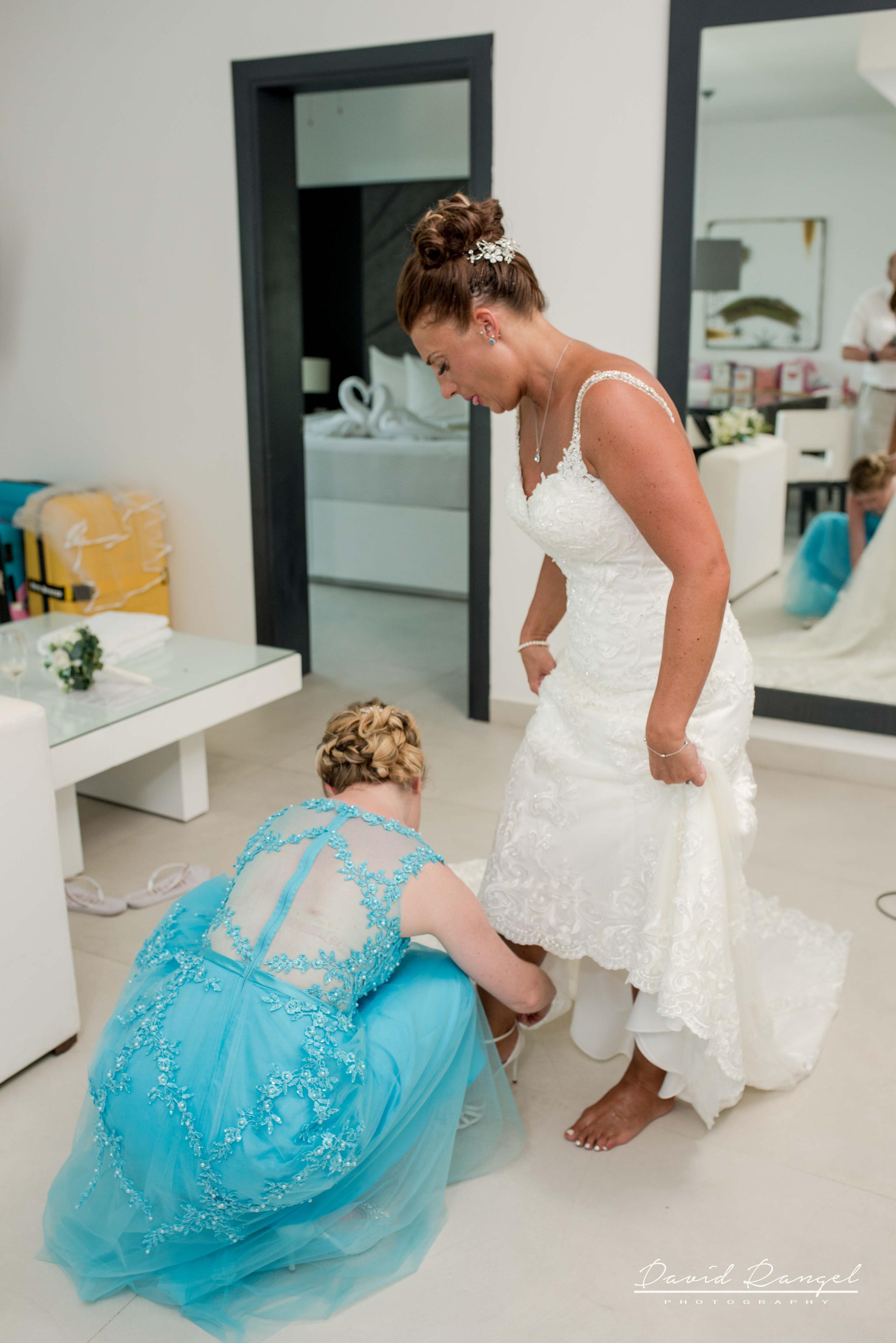 bride+getting+ready+photo+azul+beach