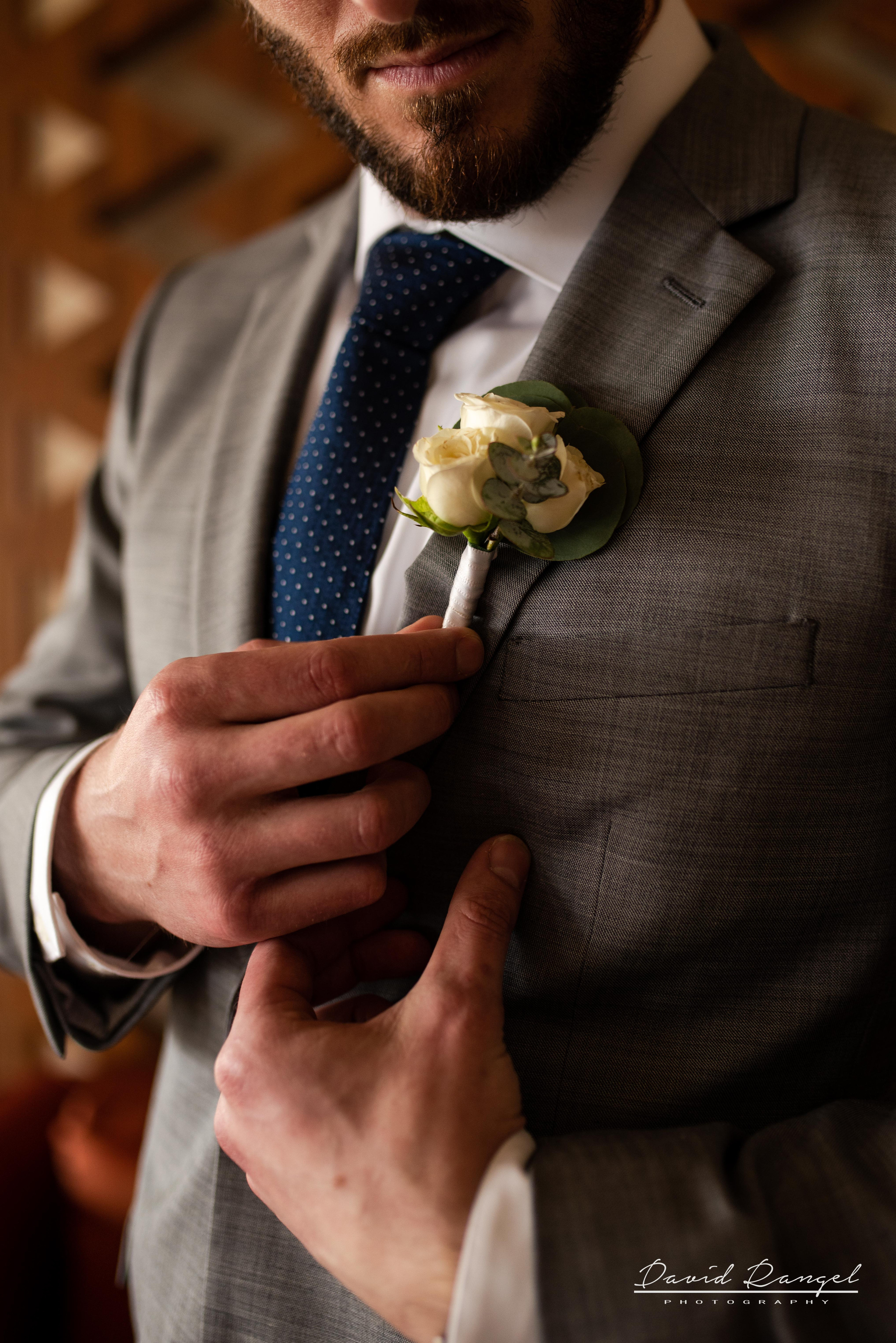 groom+suit+flower+getting+ready