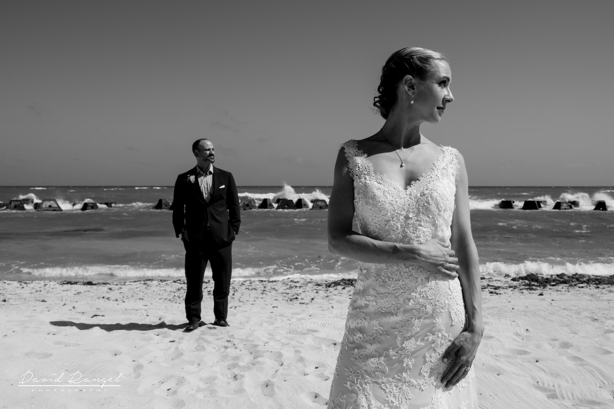 wedding+couple+bnw