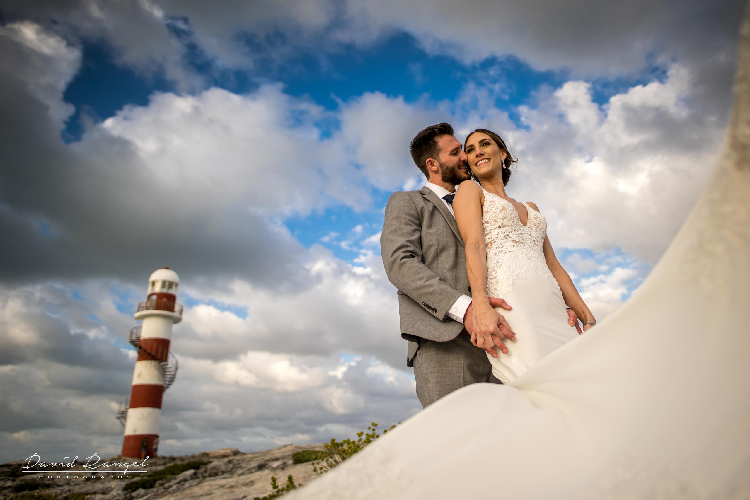 bride+groom+photo+destination+photographer+lighthouse