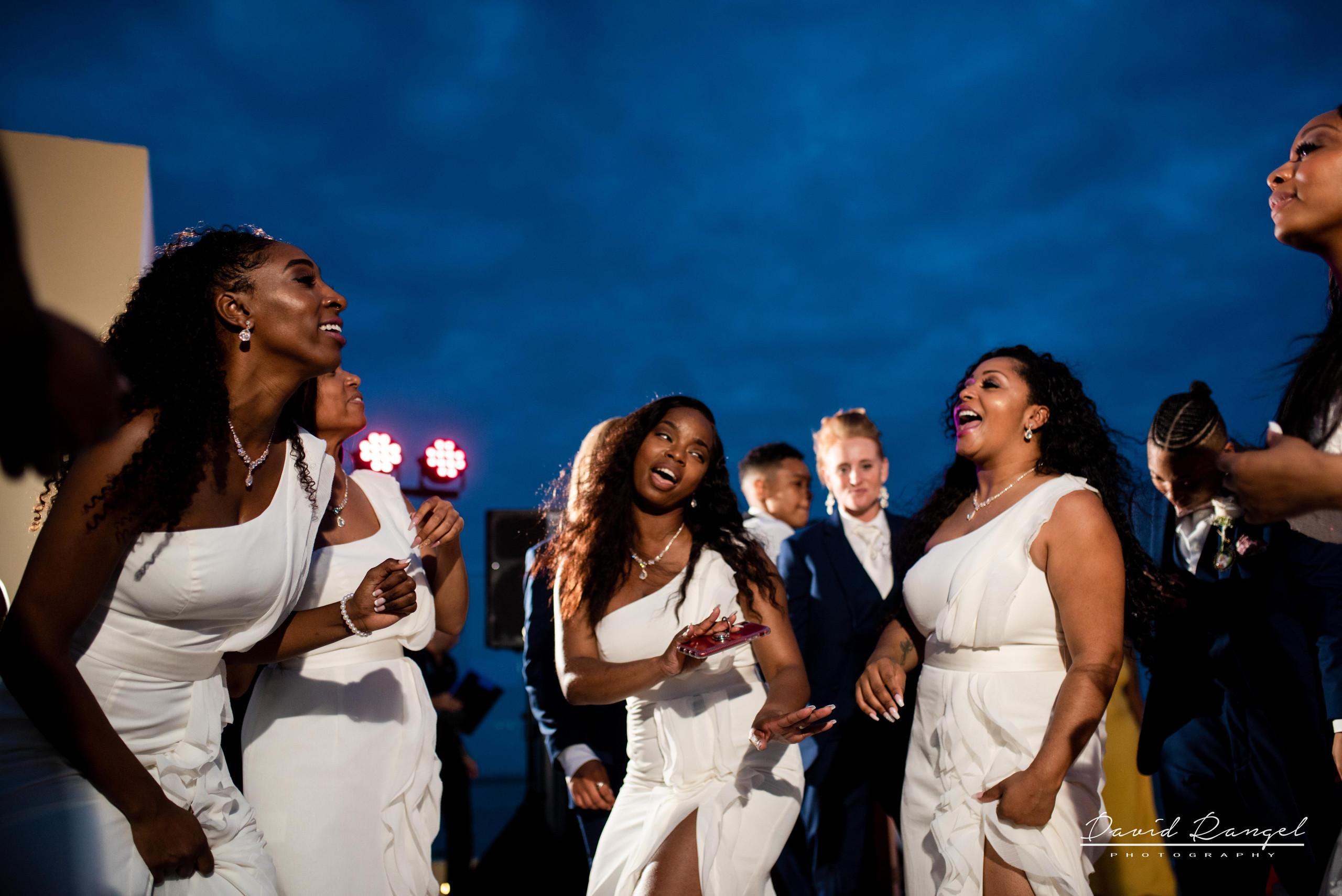 brides+maids+dance+happy+singing