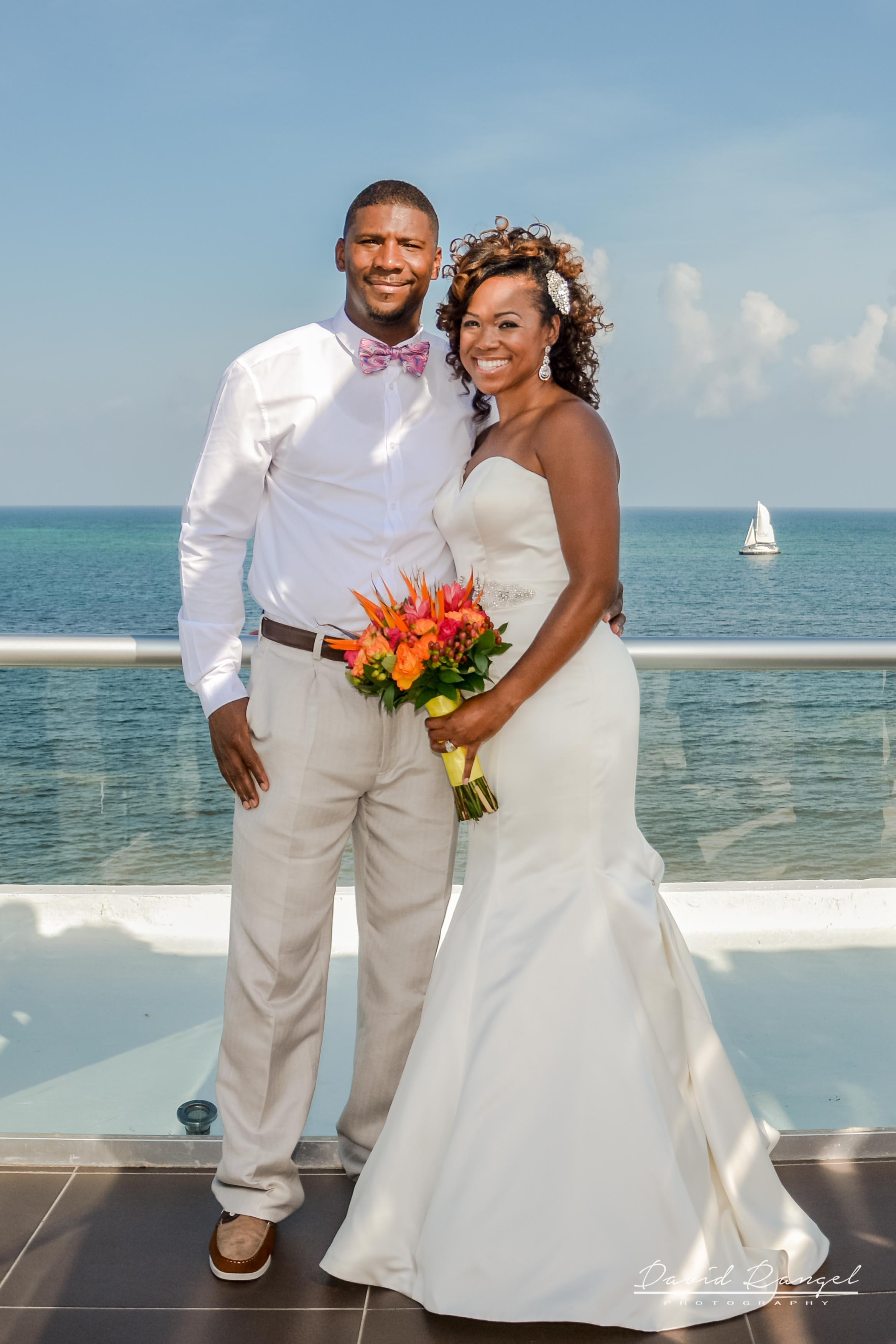 bride and groom / beach