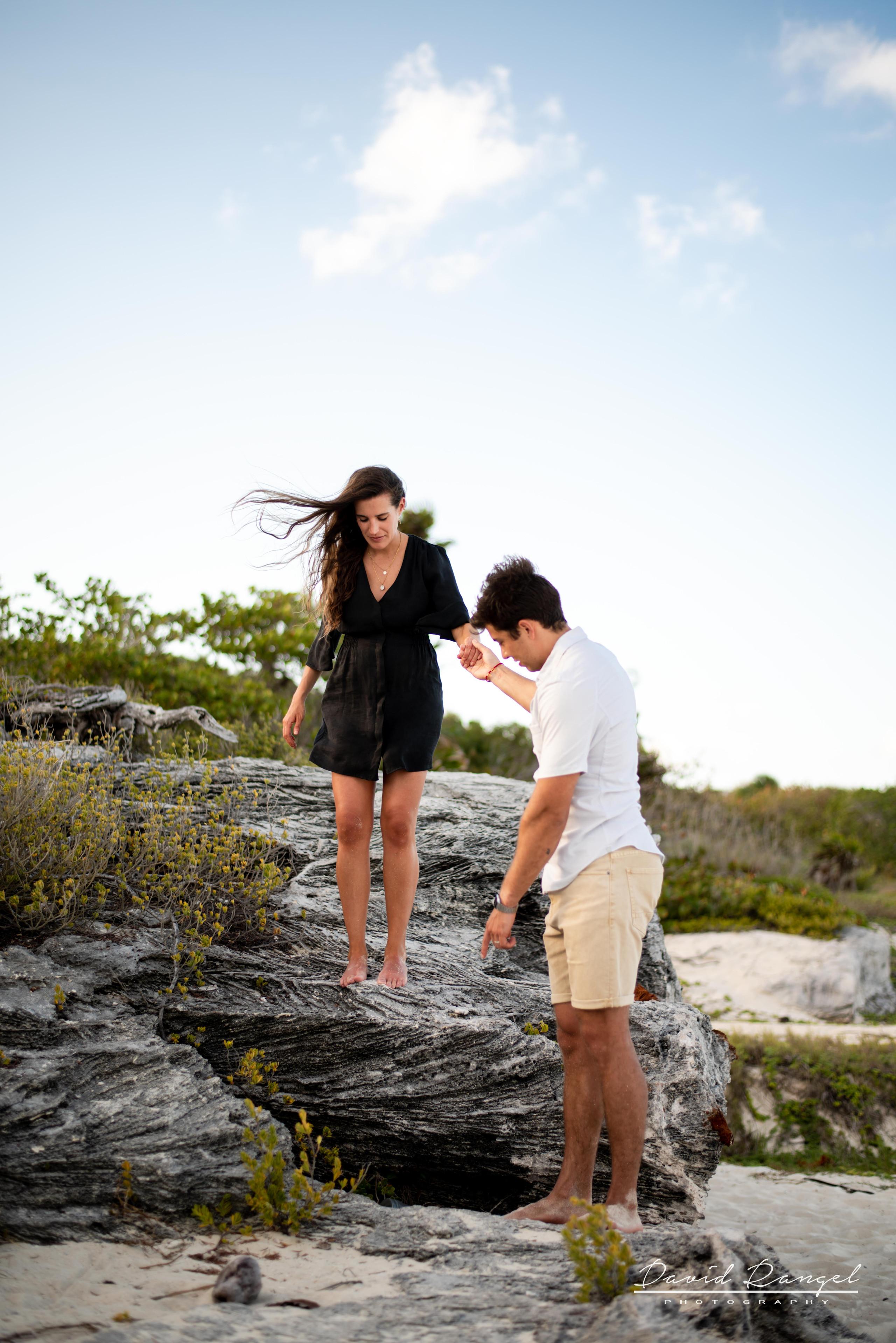 beach+session+riviera+maya+pregnancy+rocks+couple+future+mother+mom+love