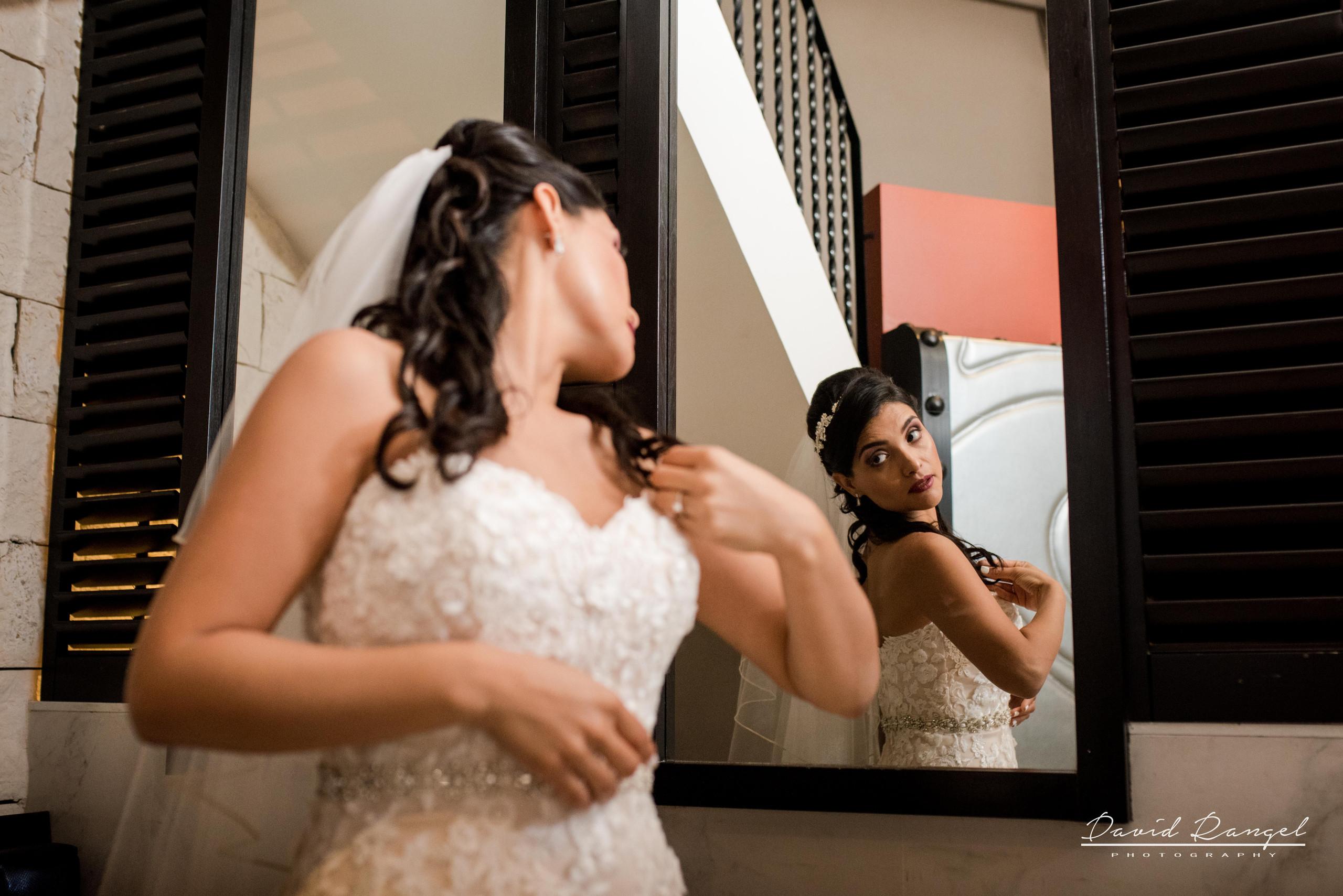 dress+bride+reflection