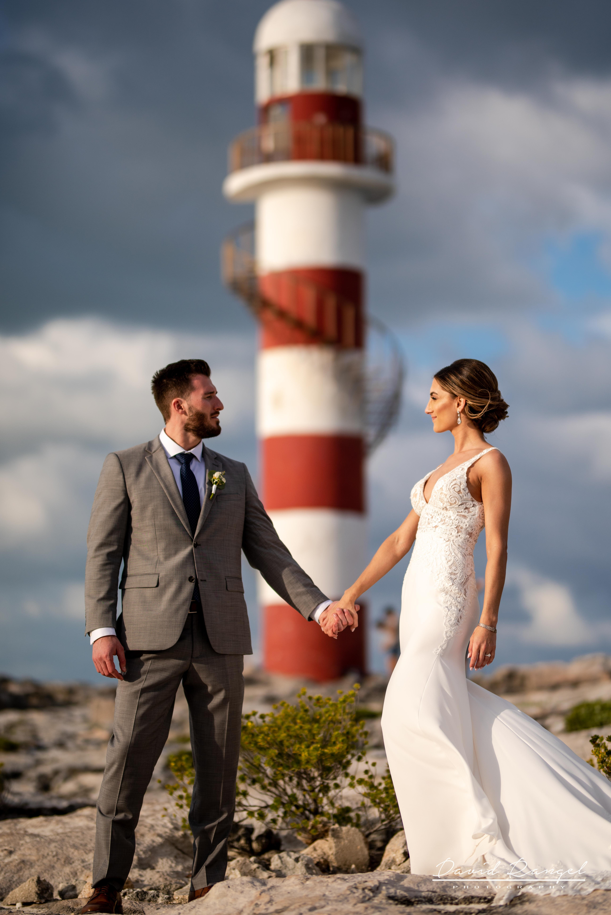 bride+groom+photo+gazebo+frame+lighthouse