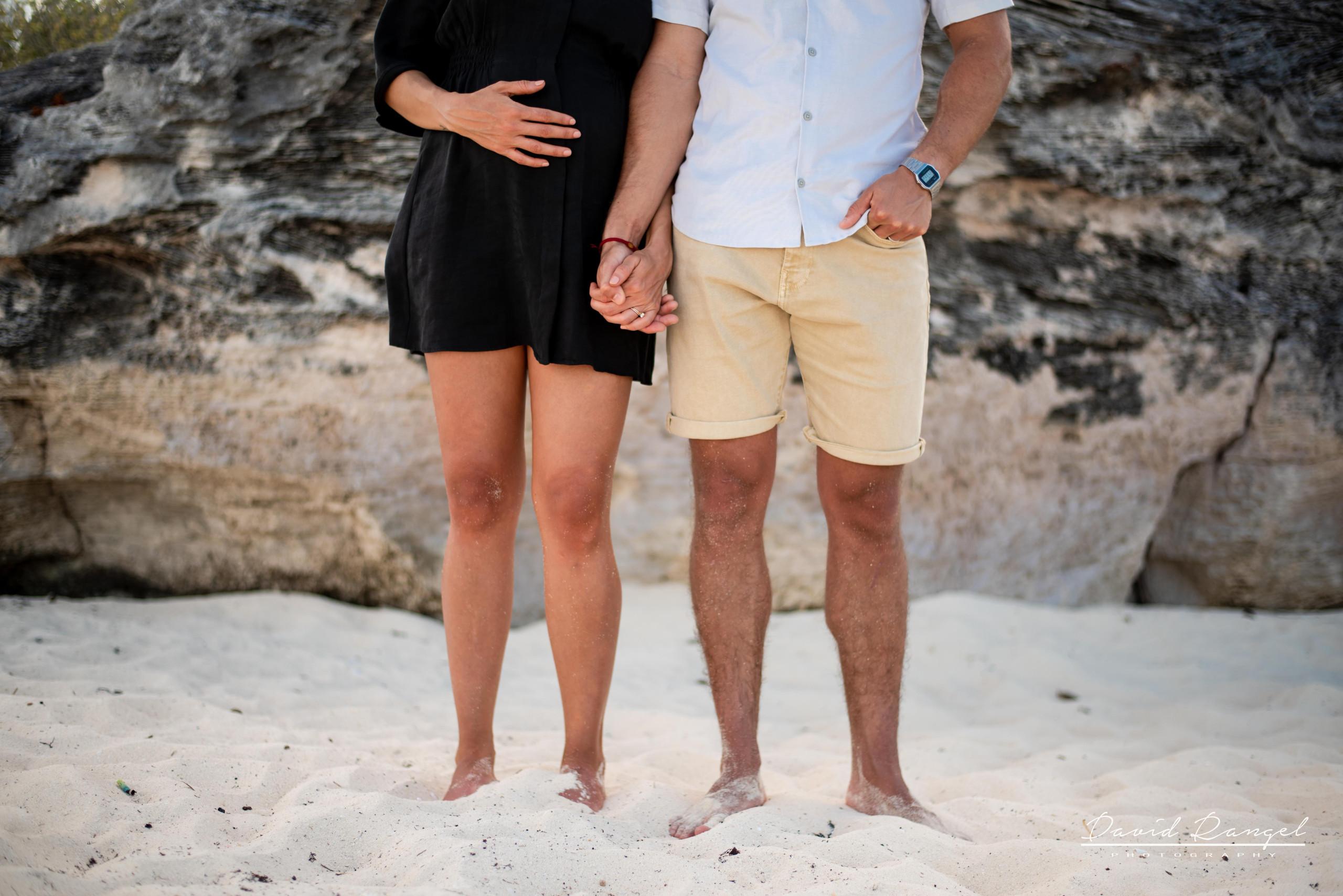 beach+session+riviera+maya+pregnancy+rocks+couple+future+mother+mom+love+legs+belly