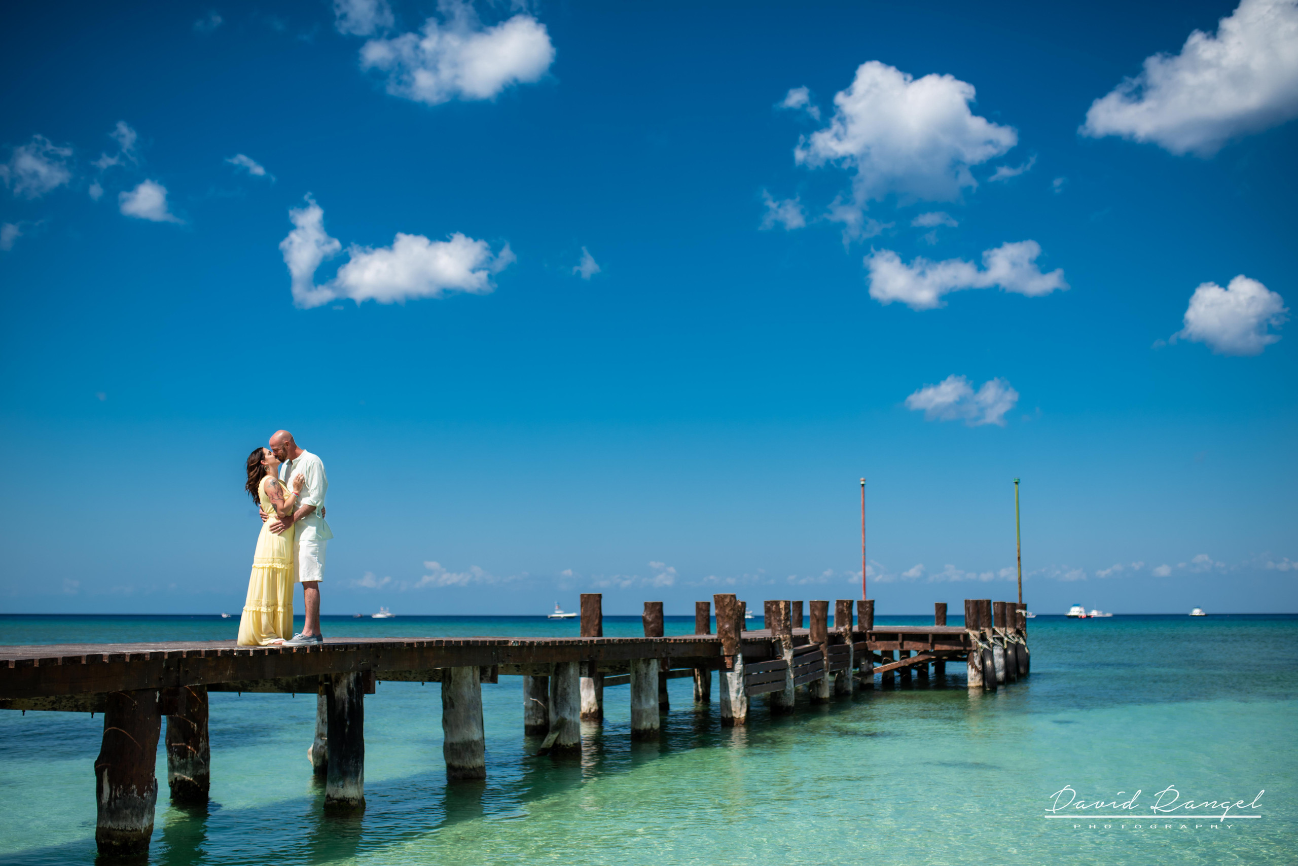 session+beach+cozumel+island+photo+destination+photographer+couple+water+pier+paradise