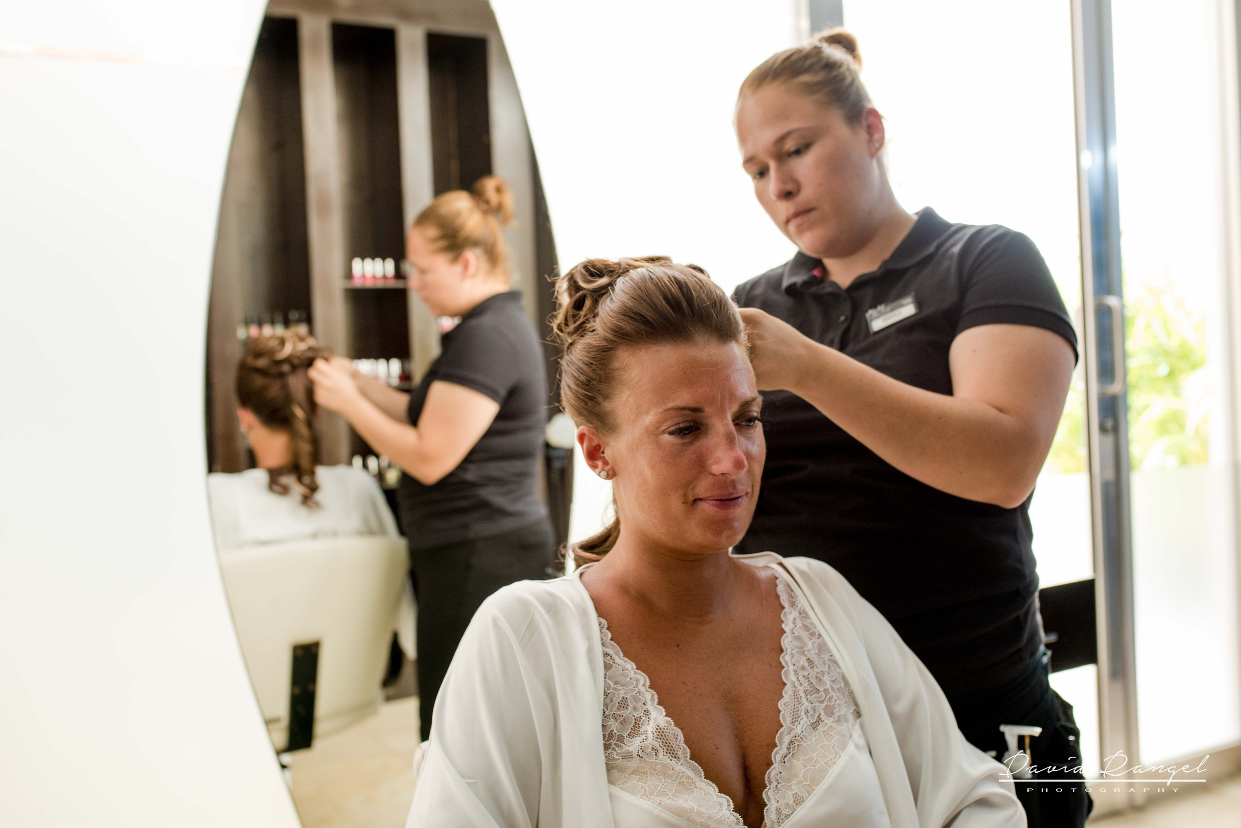 bride+hair+style+getting+ready