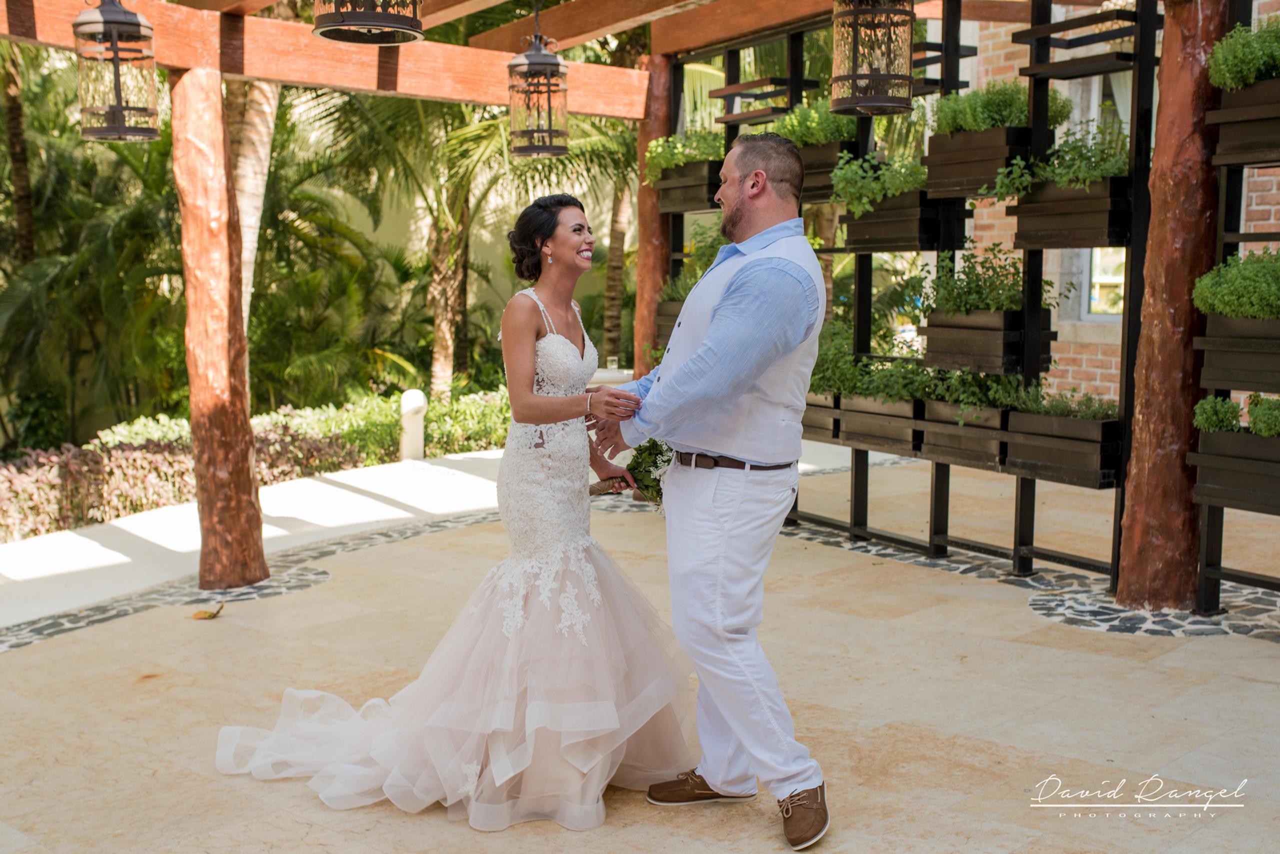 firstlook+bride+groom+to+be
