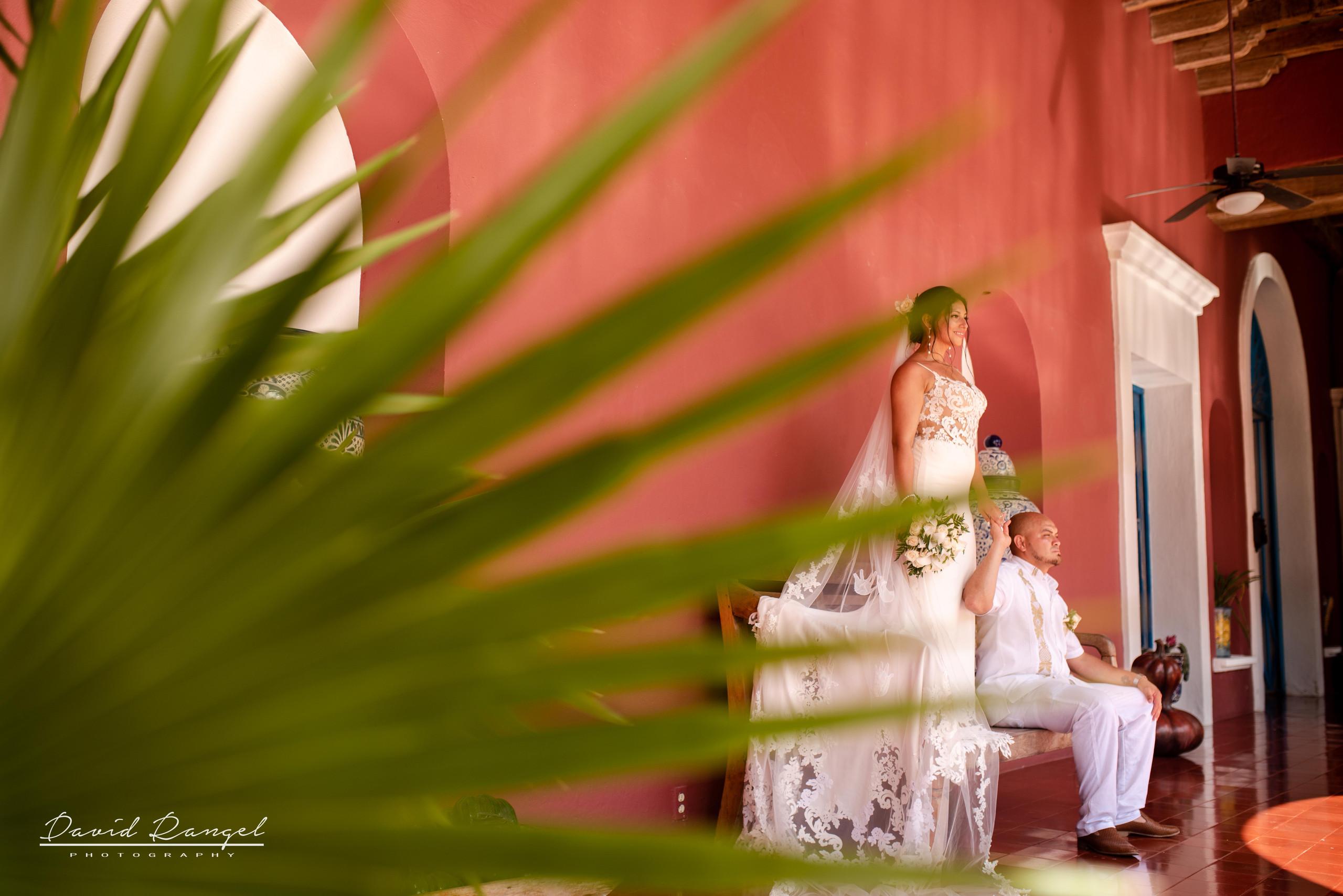bride+groom+couple+photo+hacienda+xcaret+park+wedding+photosession