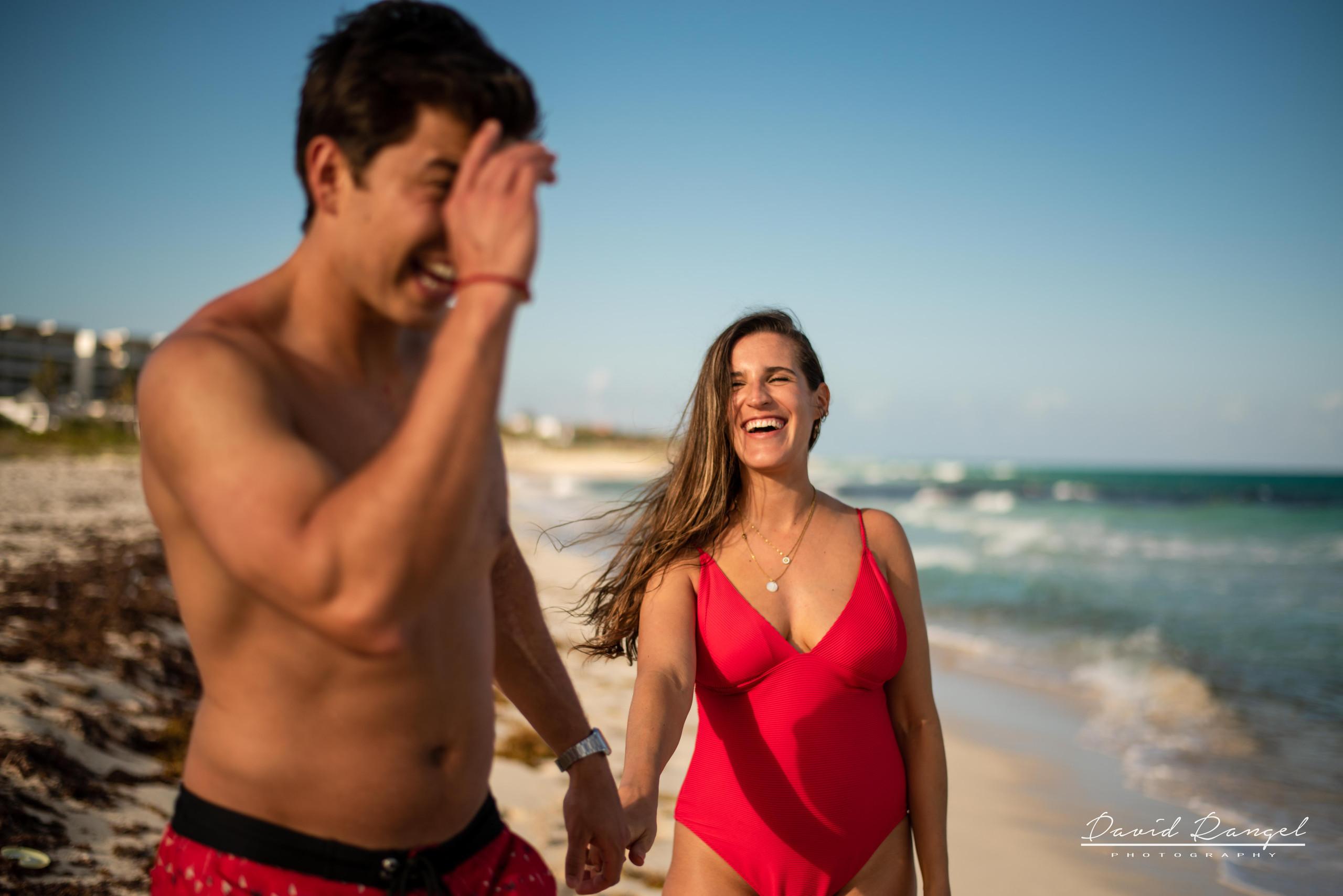 beach+session+riviera+maya+pregnancy+rocks+couple+future+mother+mom+love+walking+swimsuit