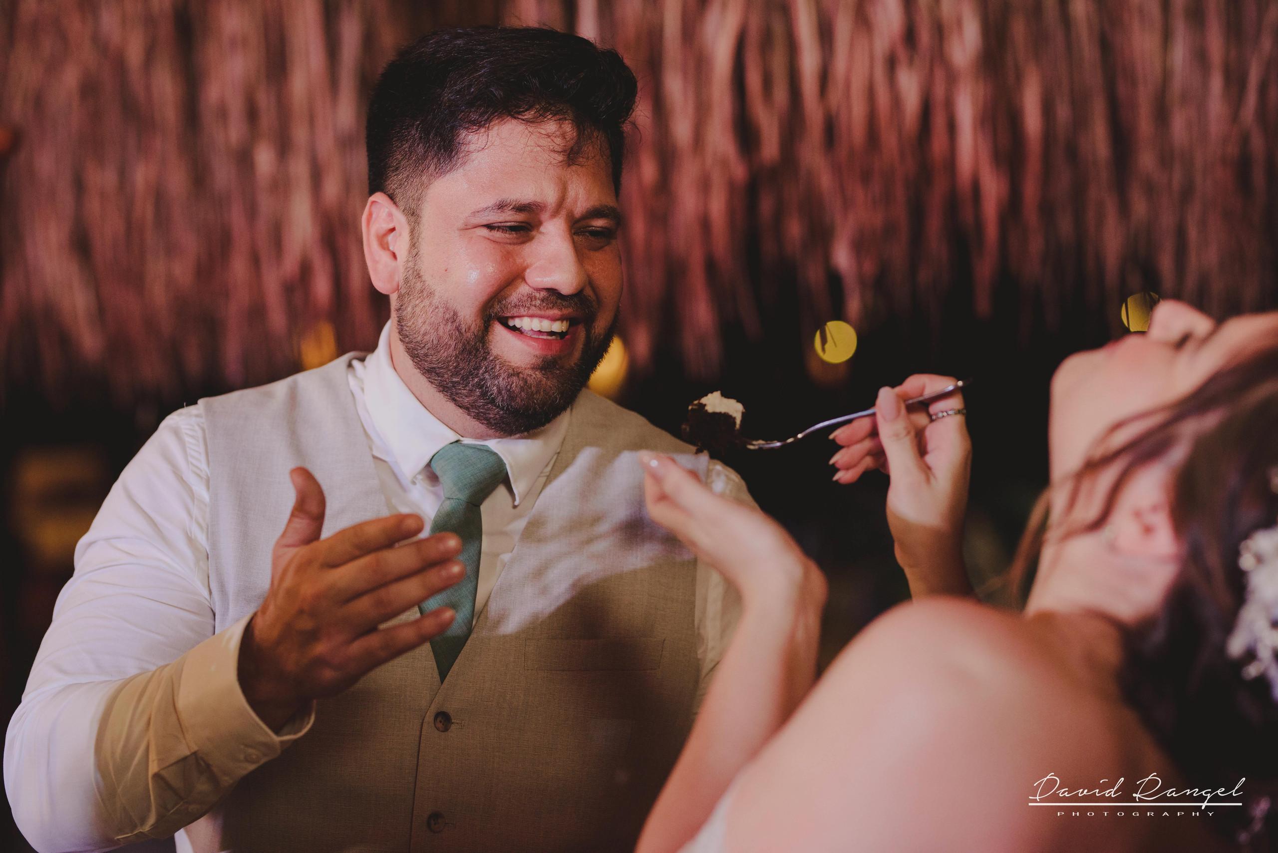 bride+groom+beach+session+happy+love+couple+celebration+wedding+photo+beach+caribean+sea+photographer+david+rangel+dress+suit+villa+chenera+reception+cake+cutting