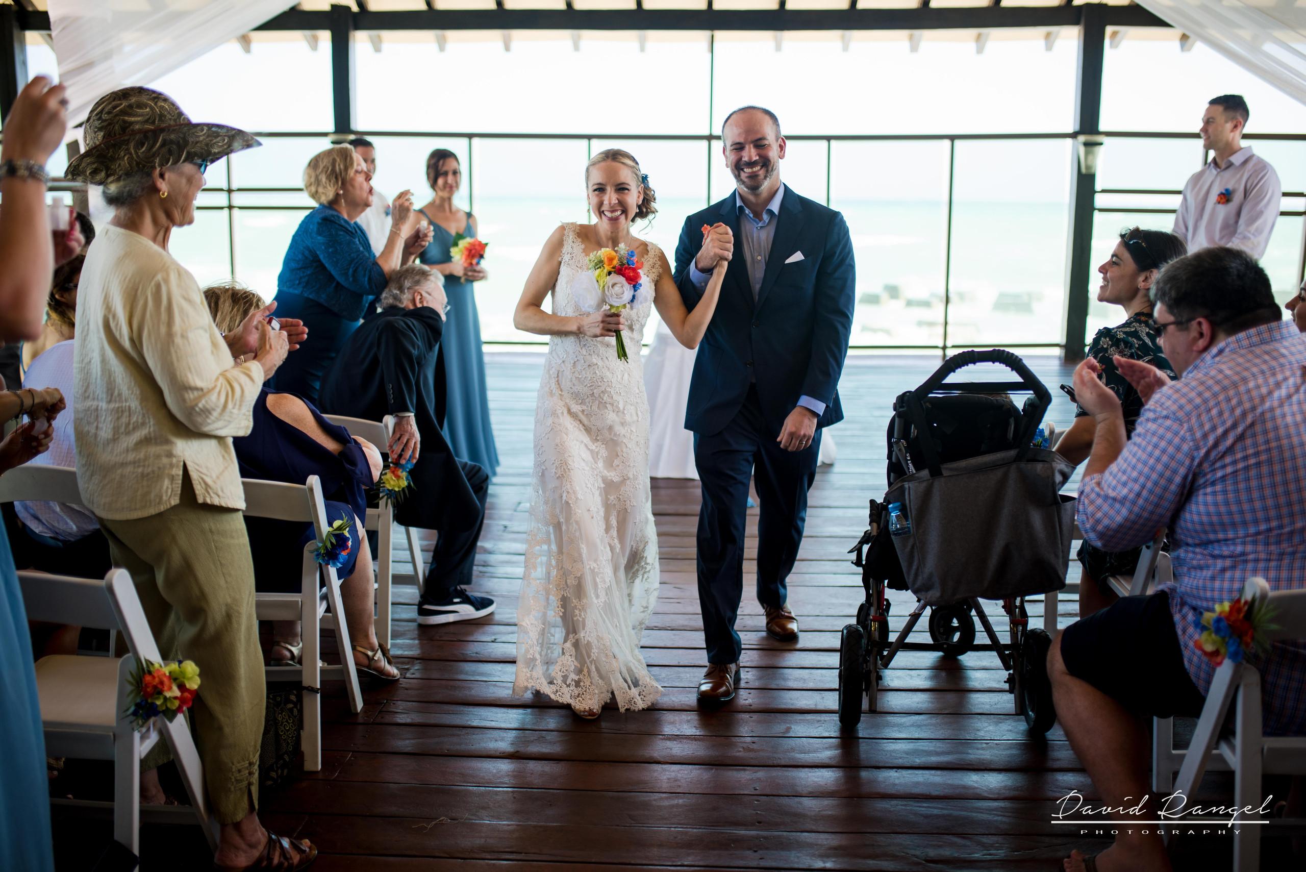 bride+groom+aisle