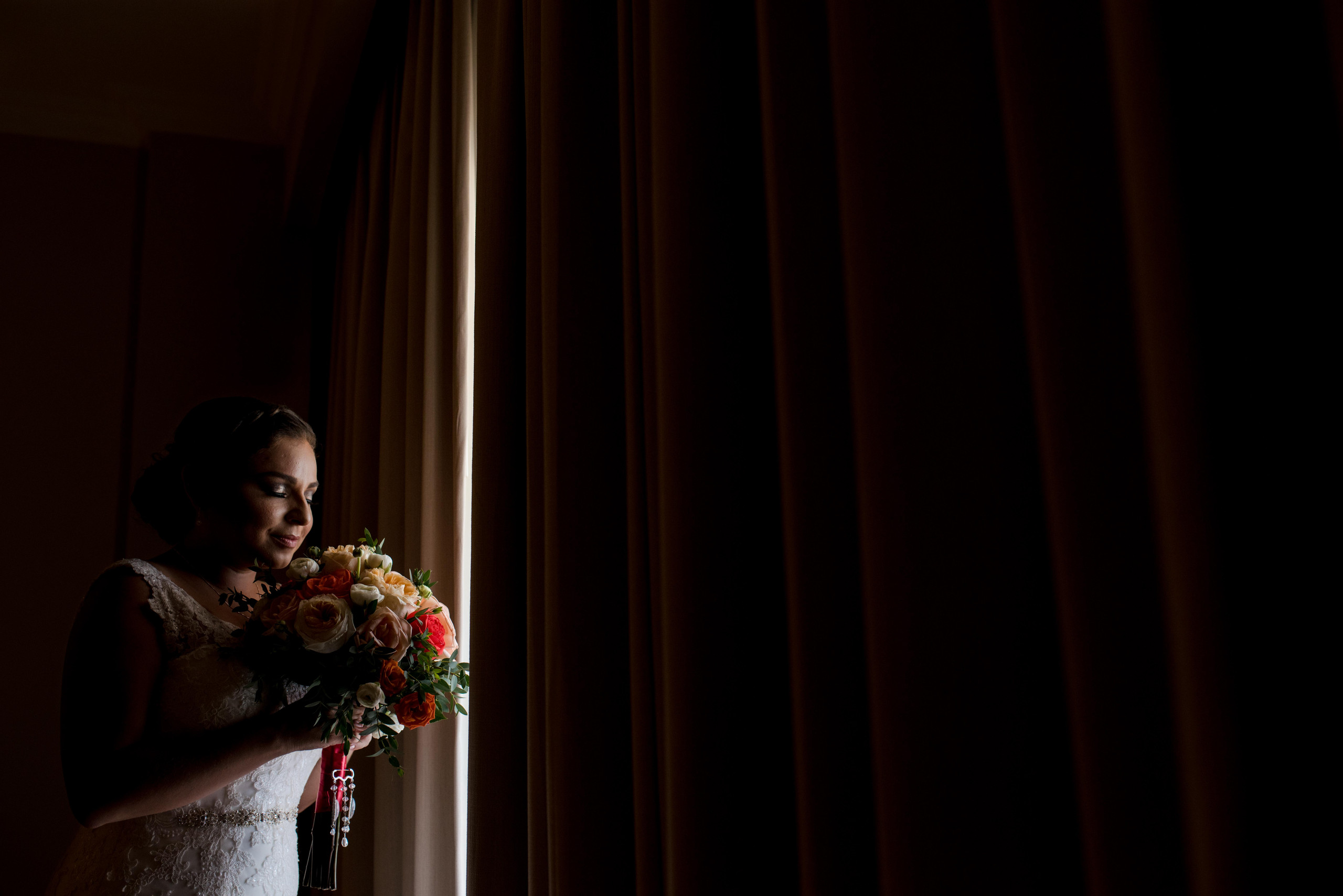 bride+bouquet+room