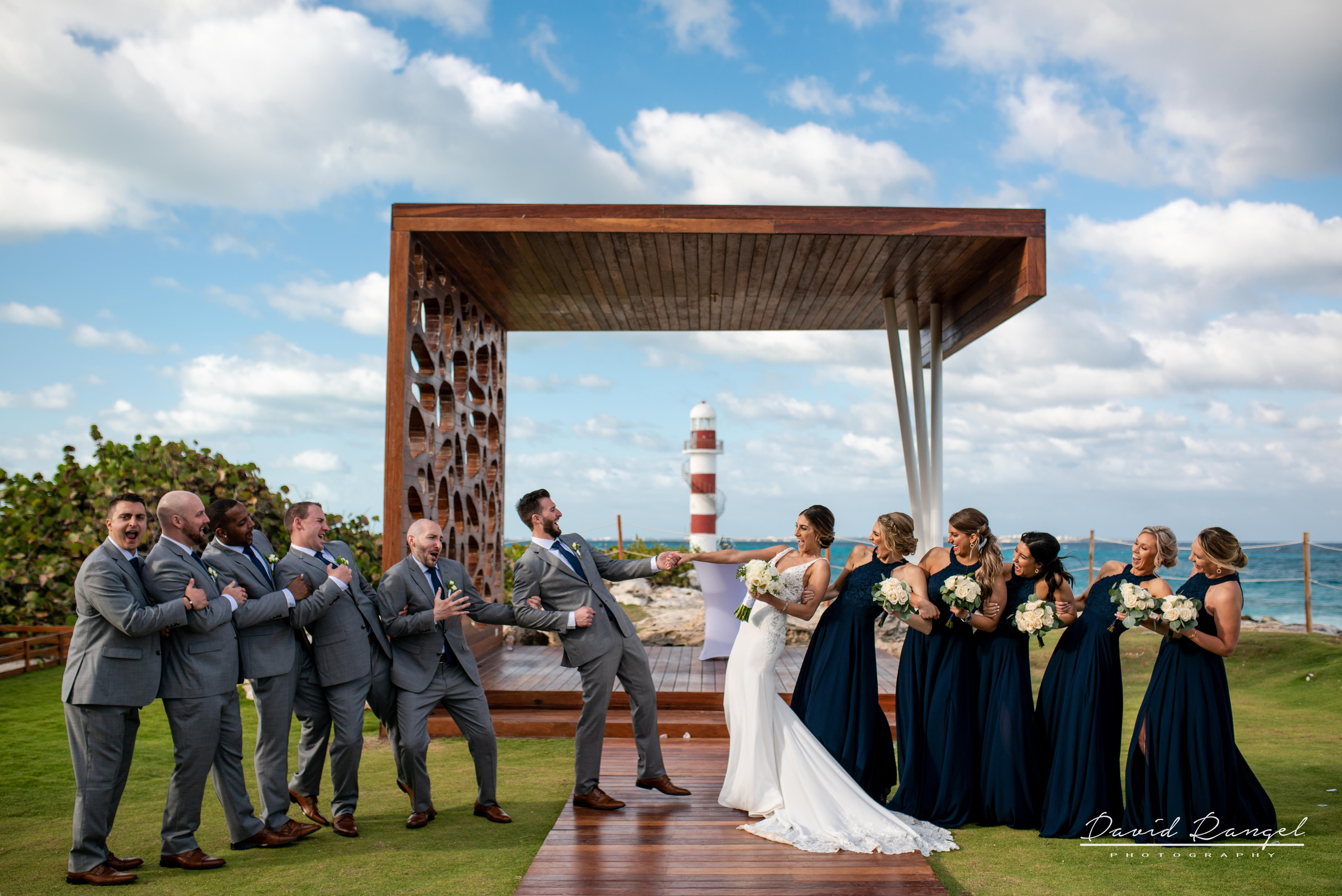 bridal+party+happy+bouquet+flowers+gazebo