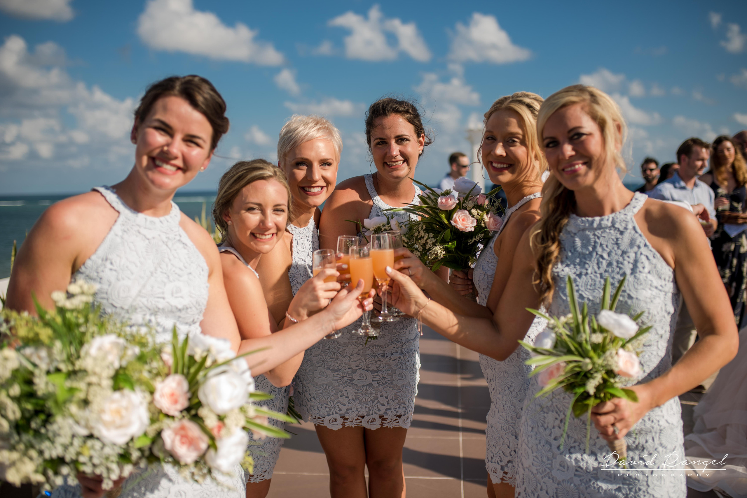 bridemaids+drinks+sky+deck+terrace