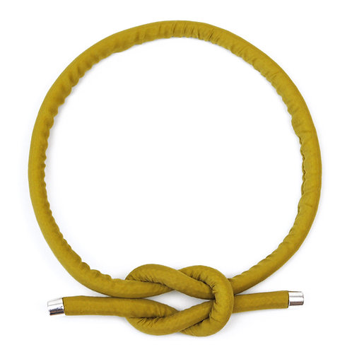 Necklace Neck Knot in Olive yellow by Sophie Holterman