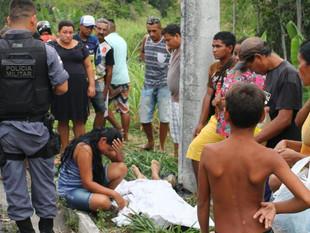 Entregador morre após colidir moto em poste na zona leste de Manaus