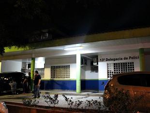 Homens armados invadem casa e fazem família refém durante assalto em Manaus