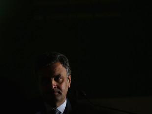 STF afasta Aécio Neves do Senado e manda prender irmã do tucano