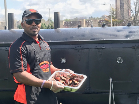 Doing Business in the 1st: Thomas' Smokey Pit Stop