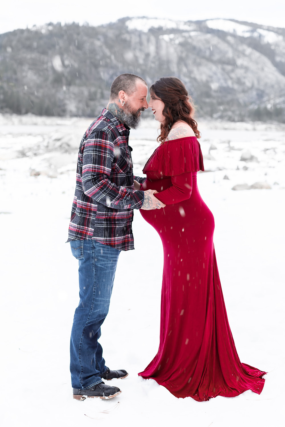 snow maternity pictures
