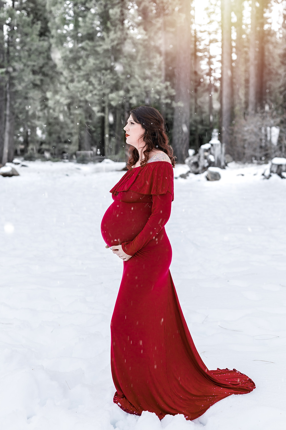 snow maternity photos