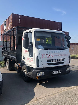 caged tipper hire
