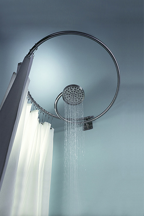 Helicoidal shaped self-supporting stainless steel shower