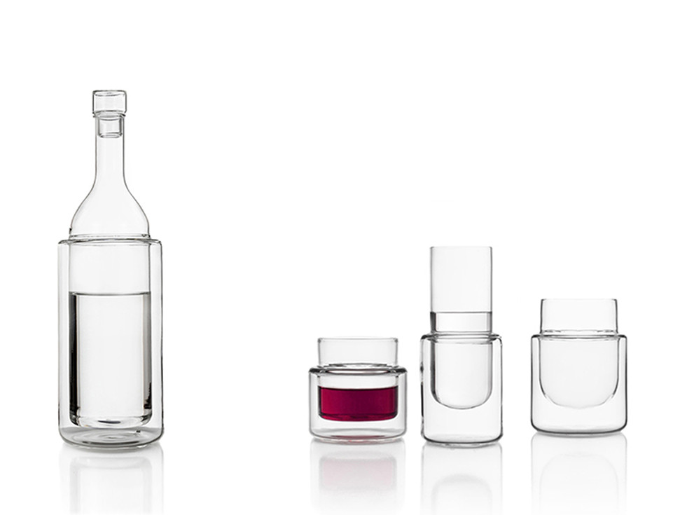 Thermic double wall borosilicate glass bottle and glasses