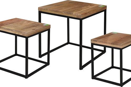 Zestaw stolików drewnianych 3