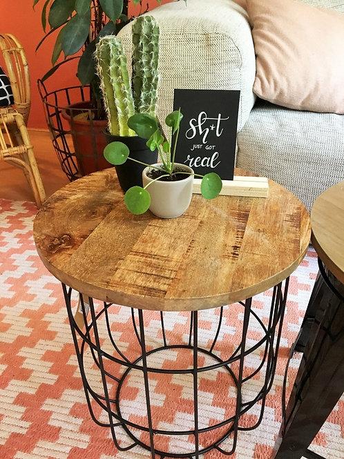 Drewniany ażurowy stolik 8