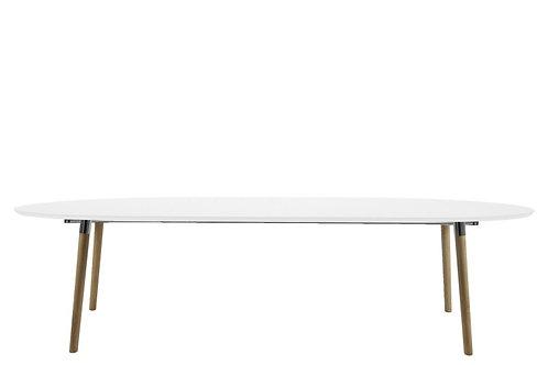 Biały owalny stół