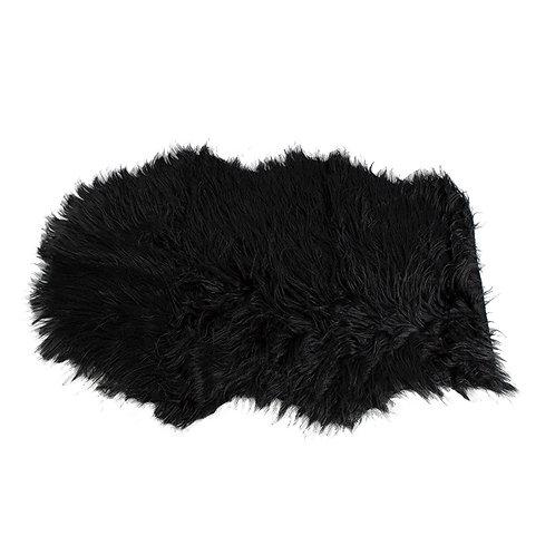 Czarne futerko - dywanik